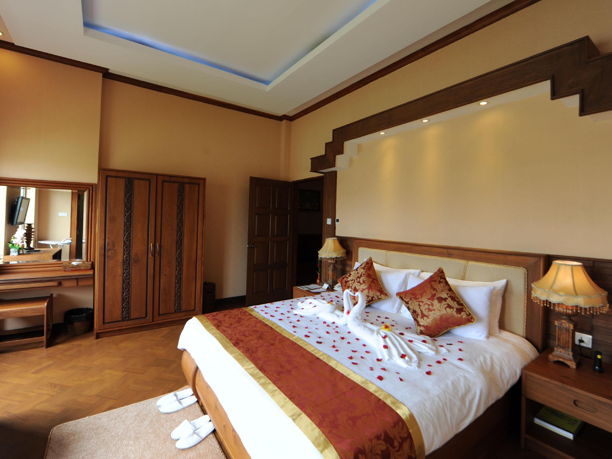 The Golden Lake Hotel, Naypyitaw