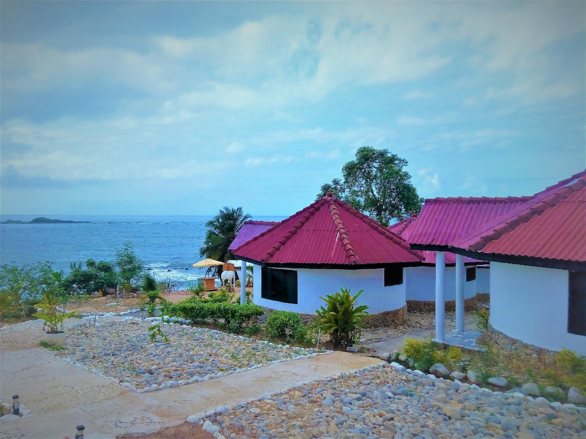 Busua Paradiso Beach Resort, Ahanta West