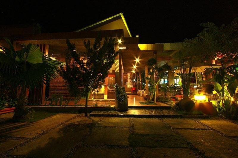 Lawaka Hotel