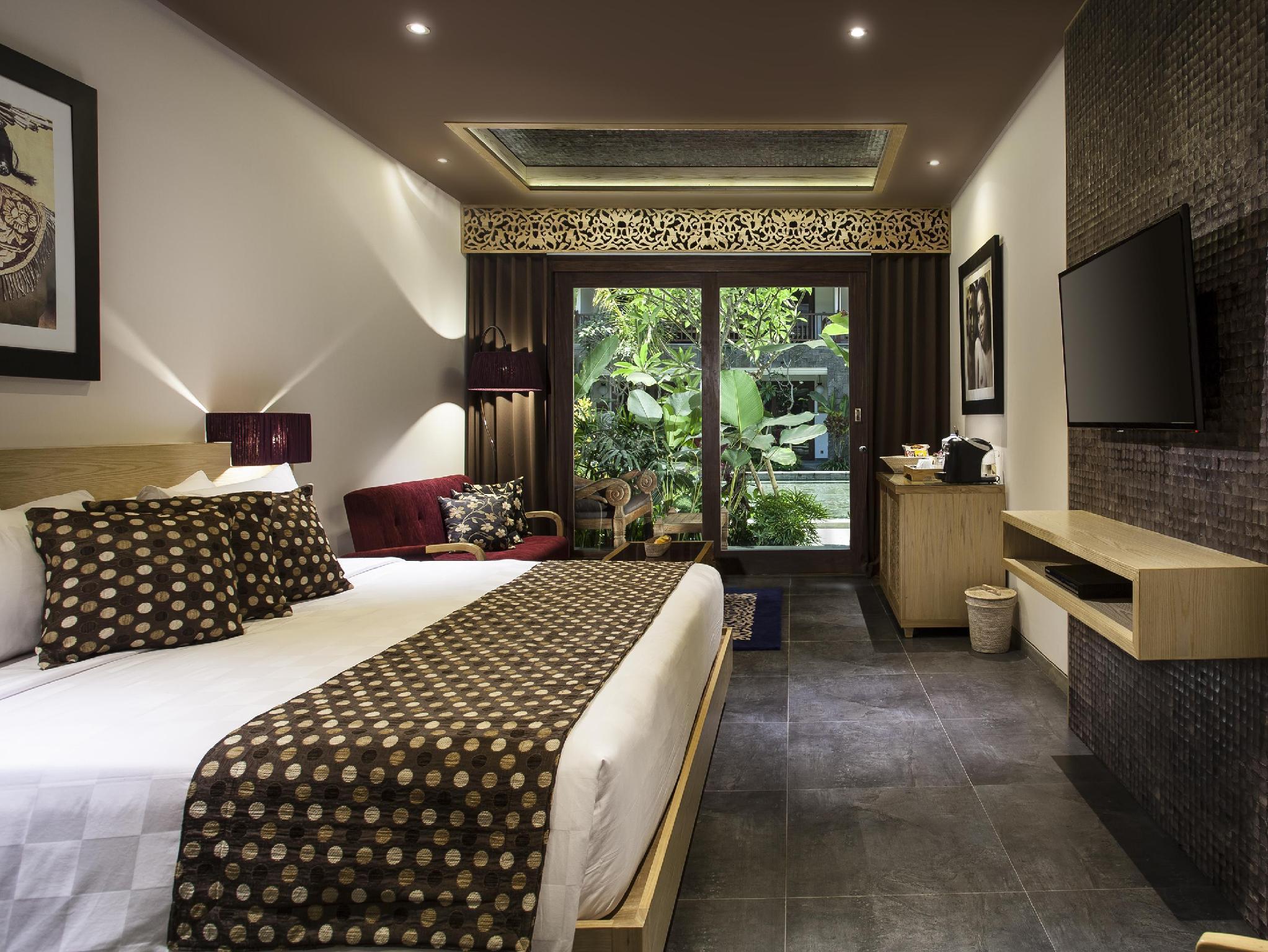 http://pix6.agoda.net/hotelImages/503/503166/503166_14123016460024228333.jpg