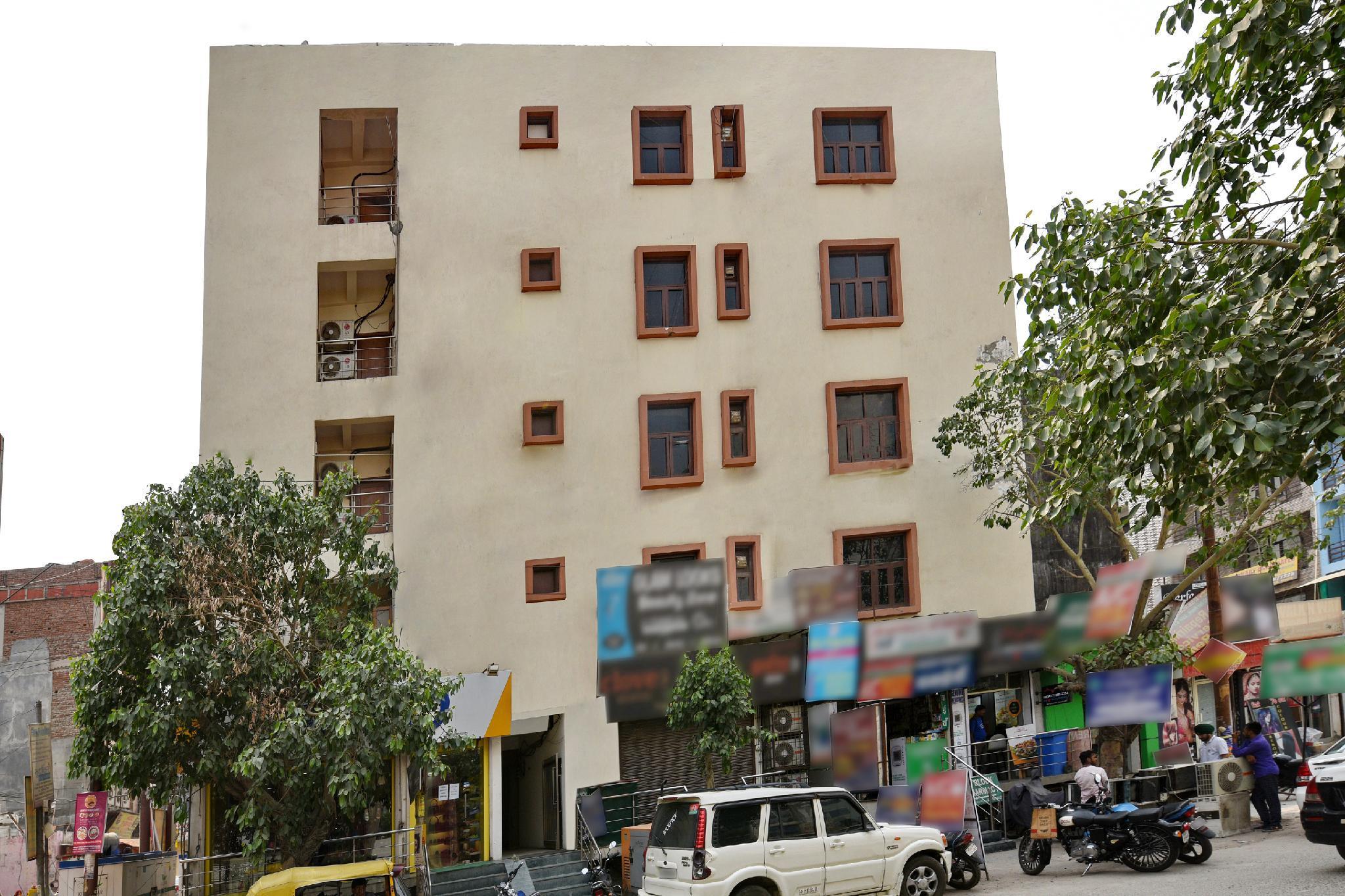 OYO 2895 Cosy Tree Rooms, Gautam Buddha Nagar