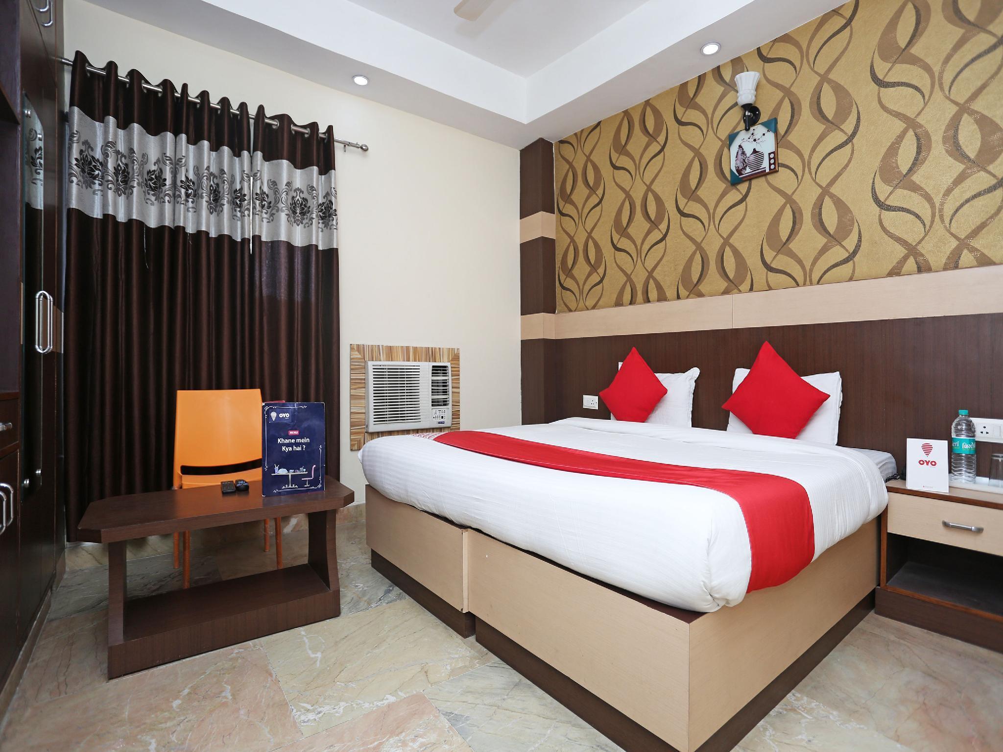 OYO 12177 Hotel Crystal Inn, Lucknow