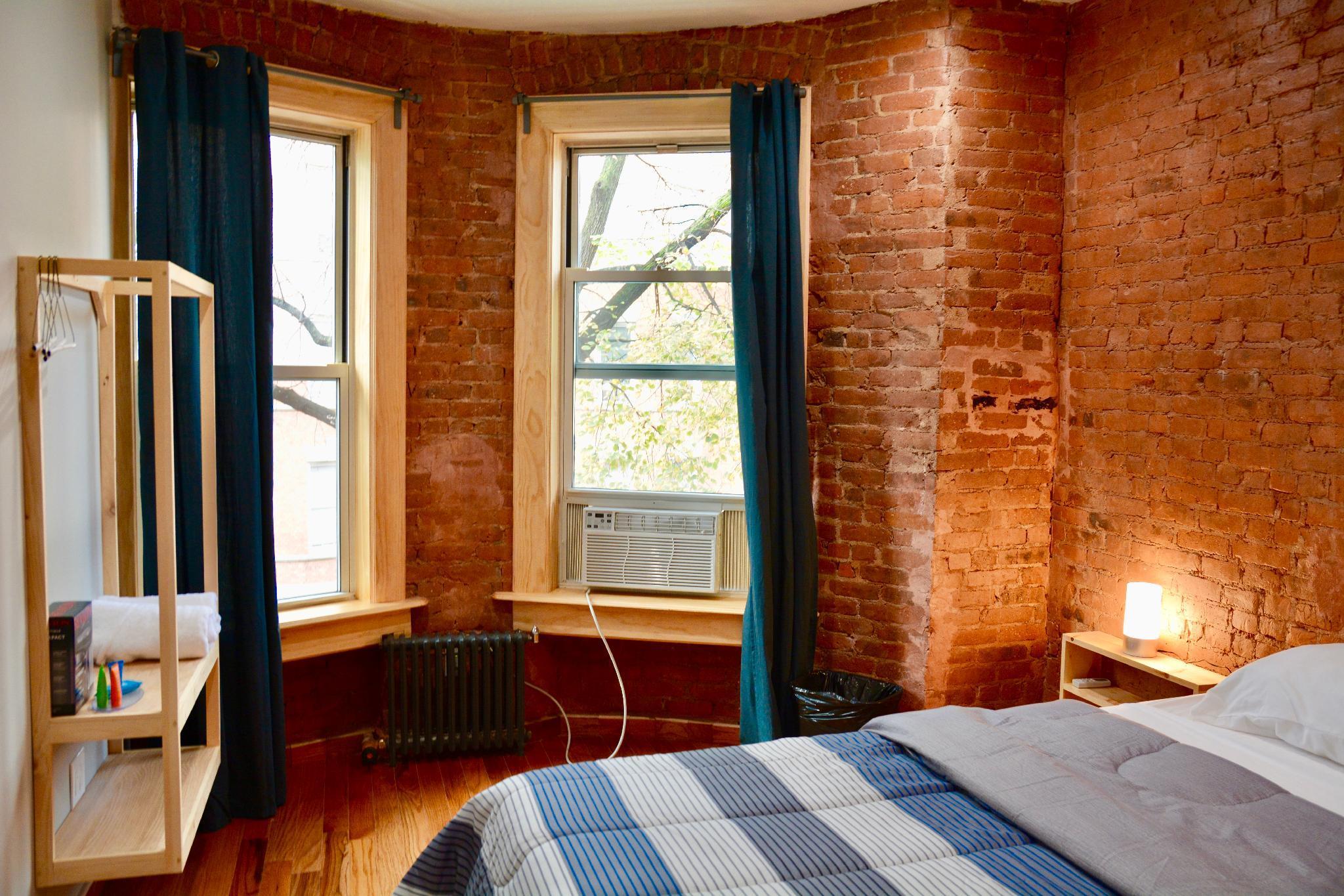 Morris Guest House, Bronx