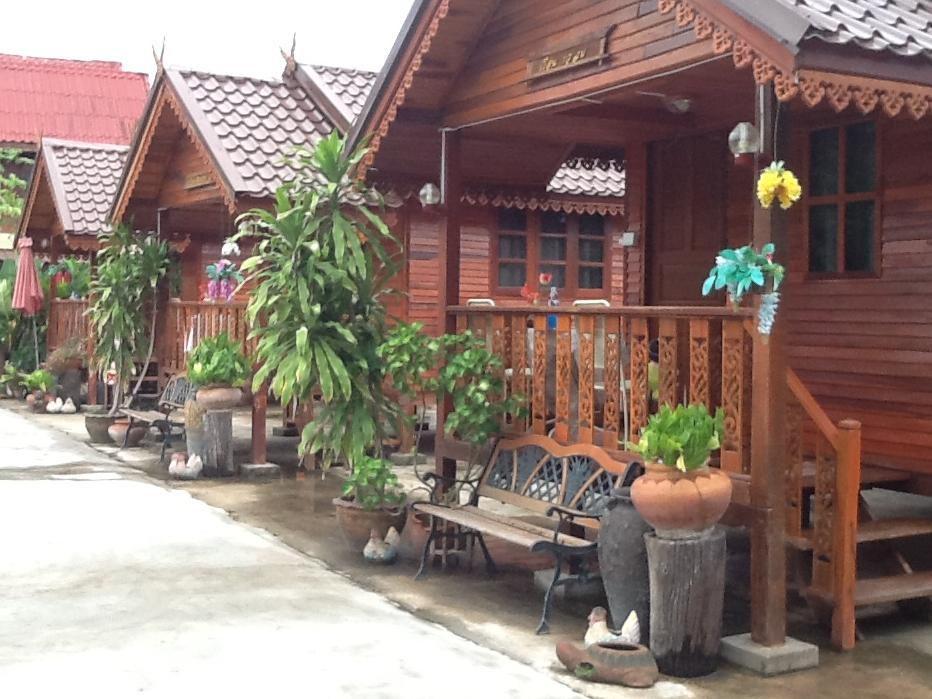 Ruean Kaew Mongkorn Resort, Muang Udon Thani