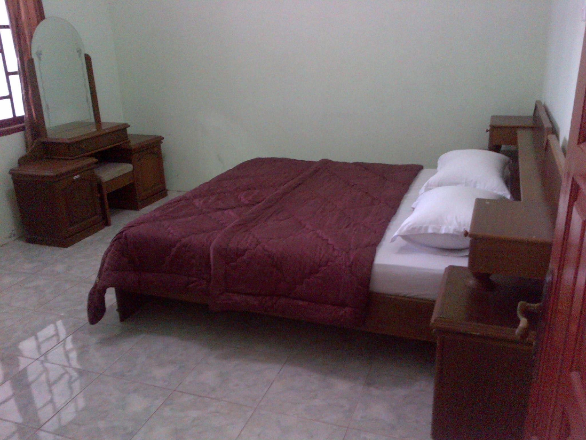 Wahid Hotel, Agam