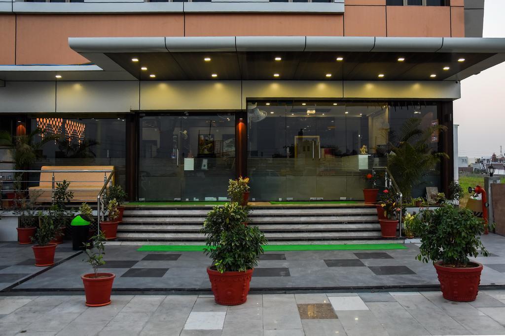 V by Vinnca Hotel & Spa, Kachchh