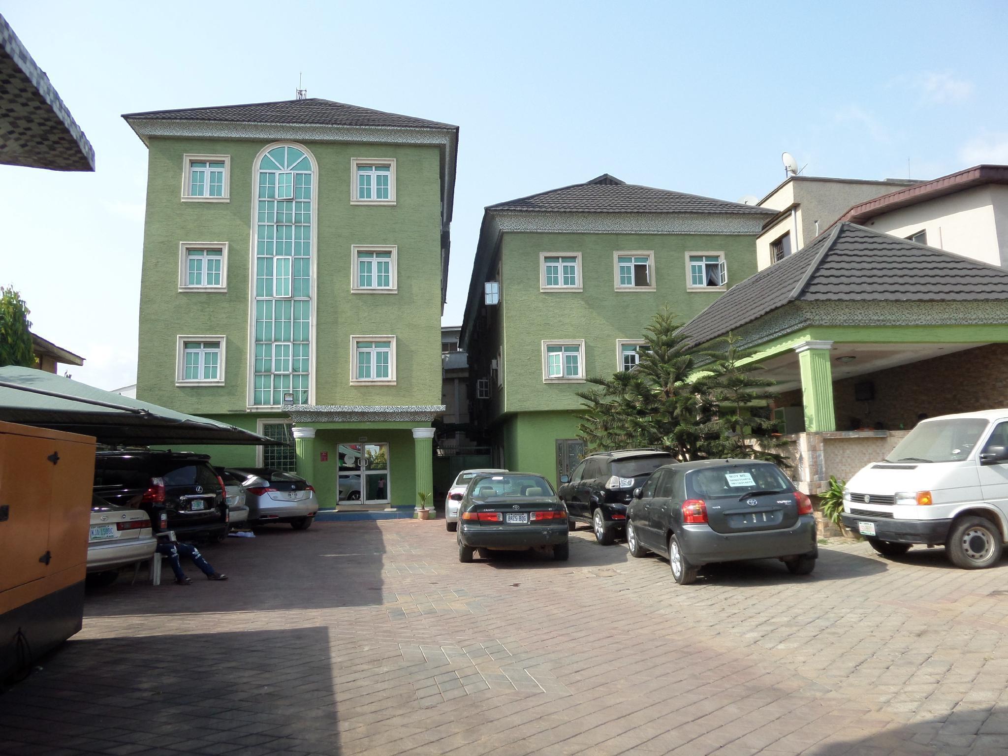 Golden Destiny International Hotel, Mushin