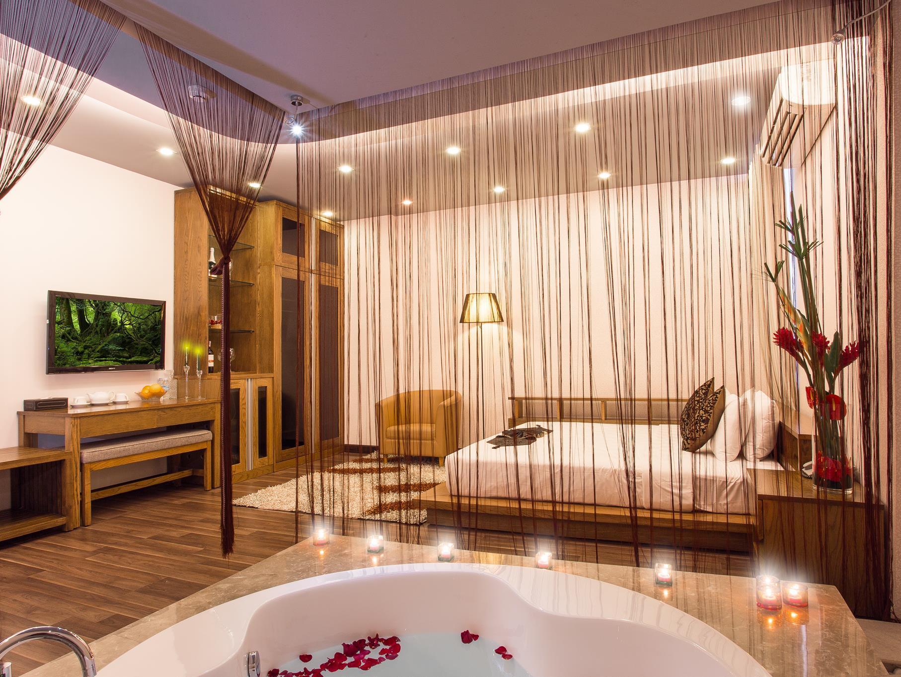 http://pix6.agoda.net/hotelImages/545/545783/545783_16022817100040306479.jpg