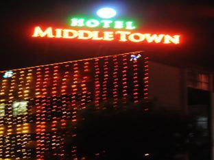 Hotel Middle Town, Gandhinagar