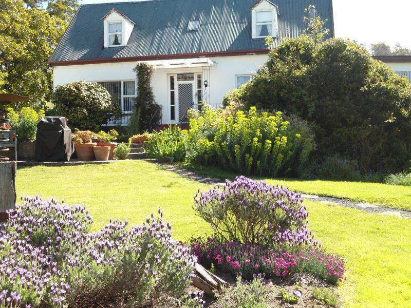 Roslyn House Bed and Breakfast, Derwent Valley