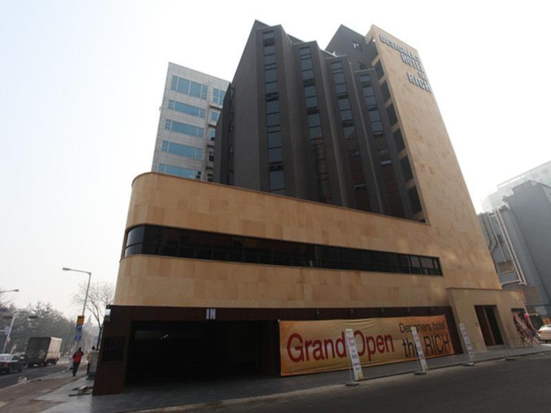 Hotel Rich, Goyang