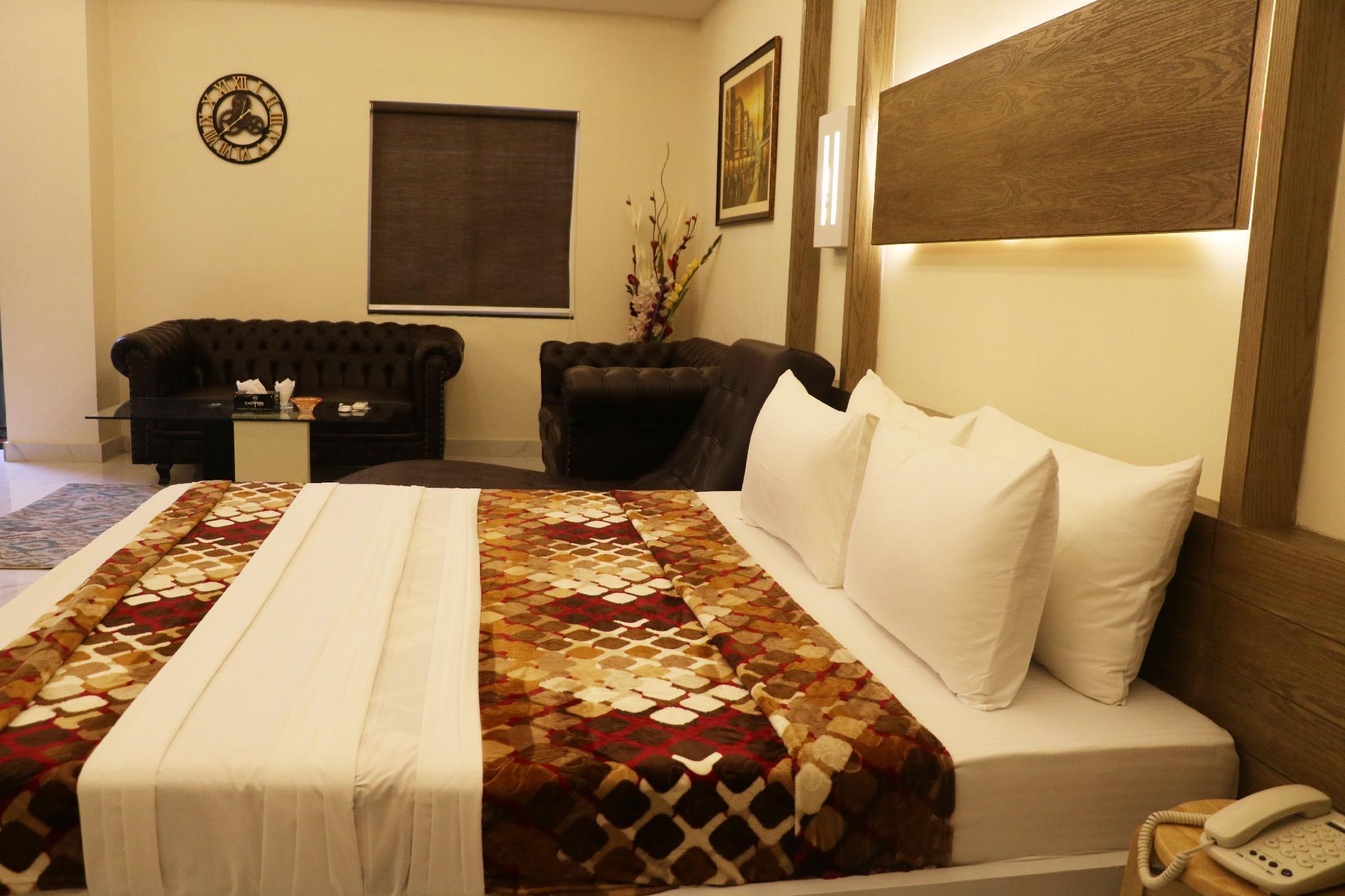 Hotel Avalon Suites, Multan