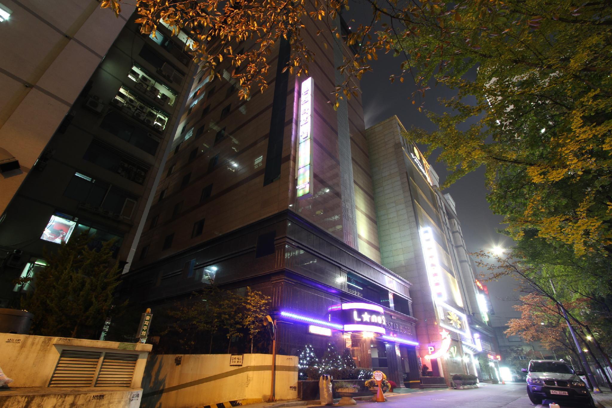 Lone Star Hotel, Dobong