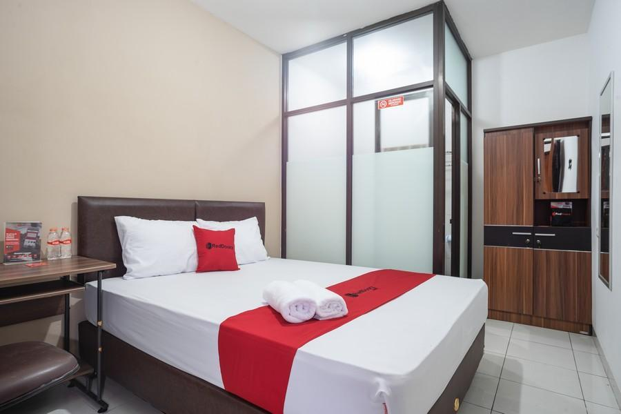 Bougenvil Guesthouse, Tangerang Selatan