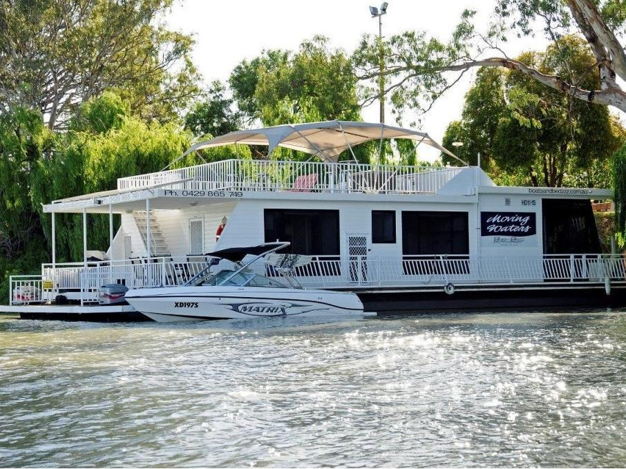 Boats and Bedzzz Houseboat Stays, Renmark Paringa - Renmark