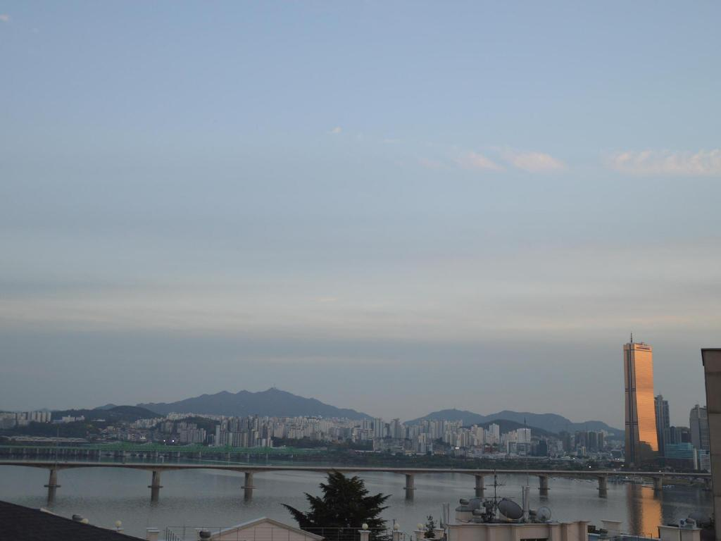 Han River Residence & Guesthouse in Seoul13