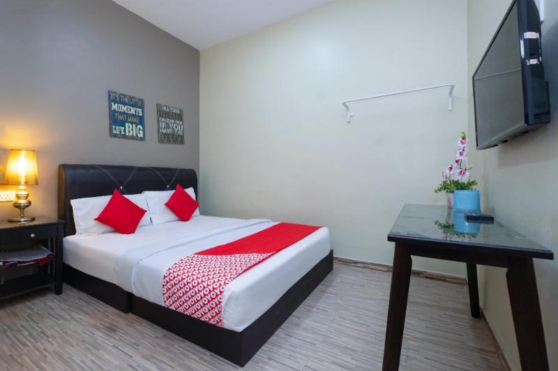 OYO 89981 尼亞曼亞飯店