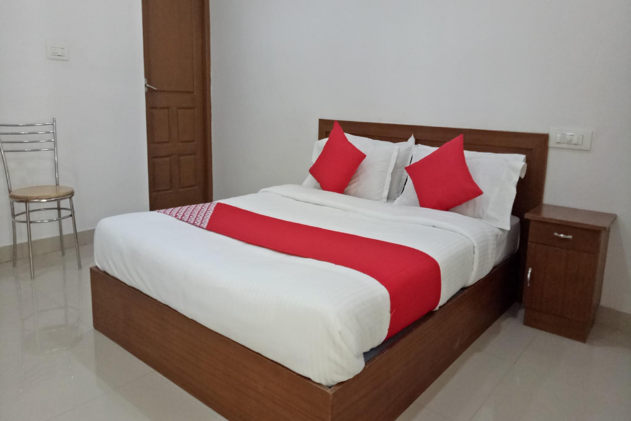 OYO 23503 Golden Valley Residency, Thrissur