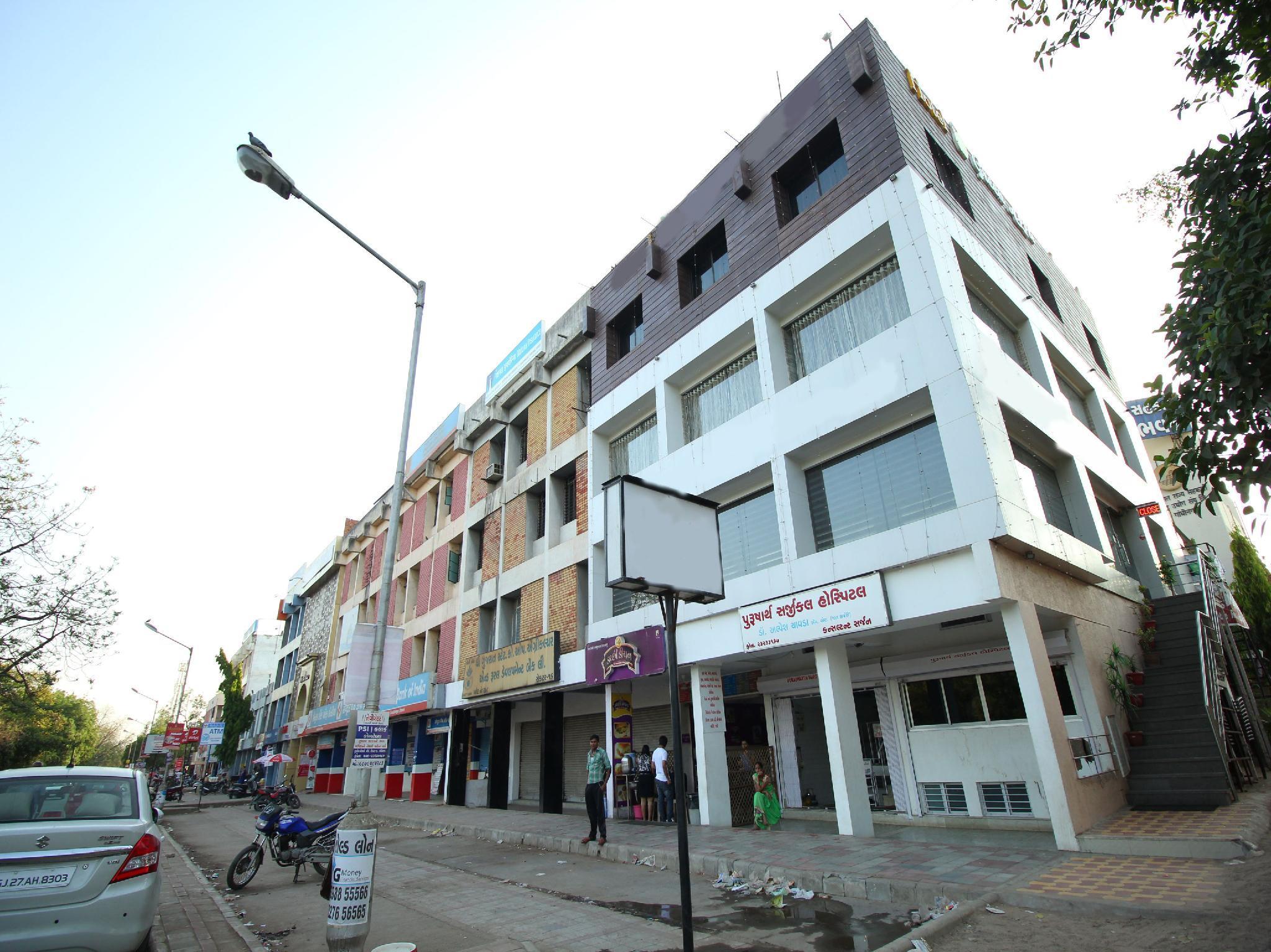 OYO 5330 Hotel Green Apple, Gandhinagar