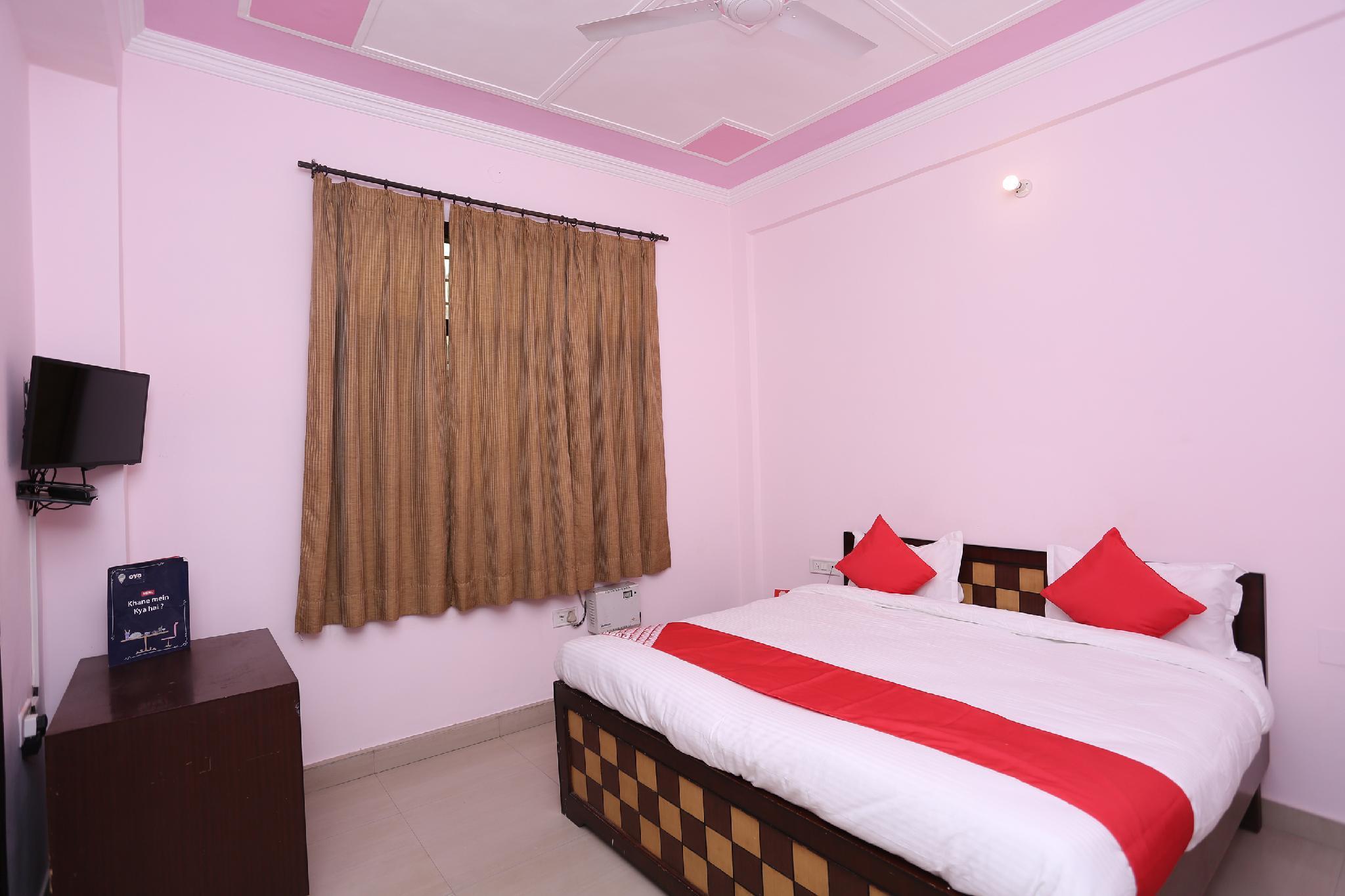 OYO 15481 Hotel Star, Karnal