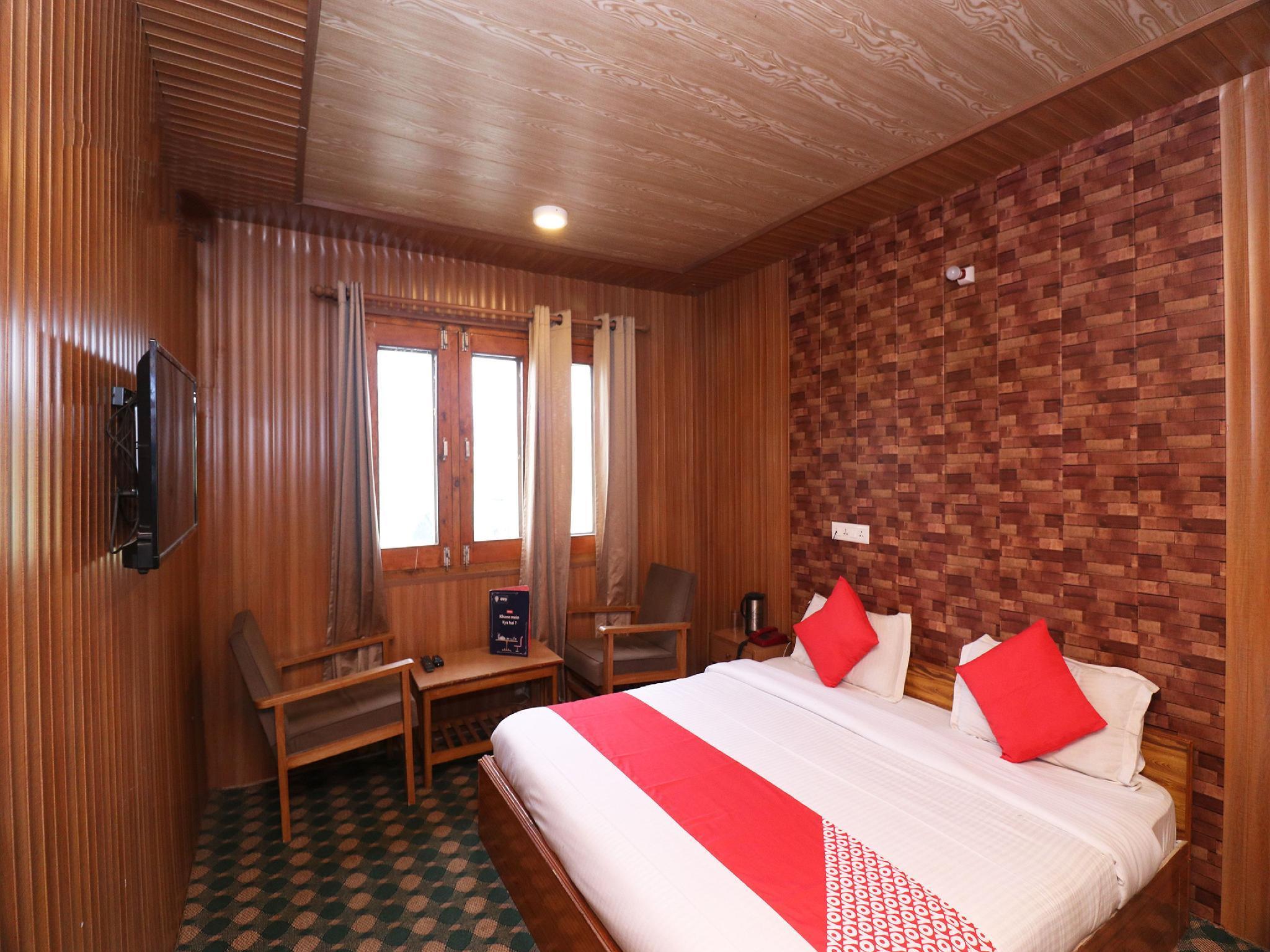 OYO 22464 Hotel Poshwan, Baramulla