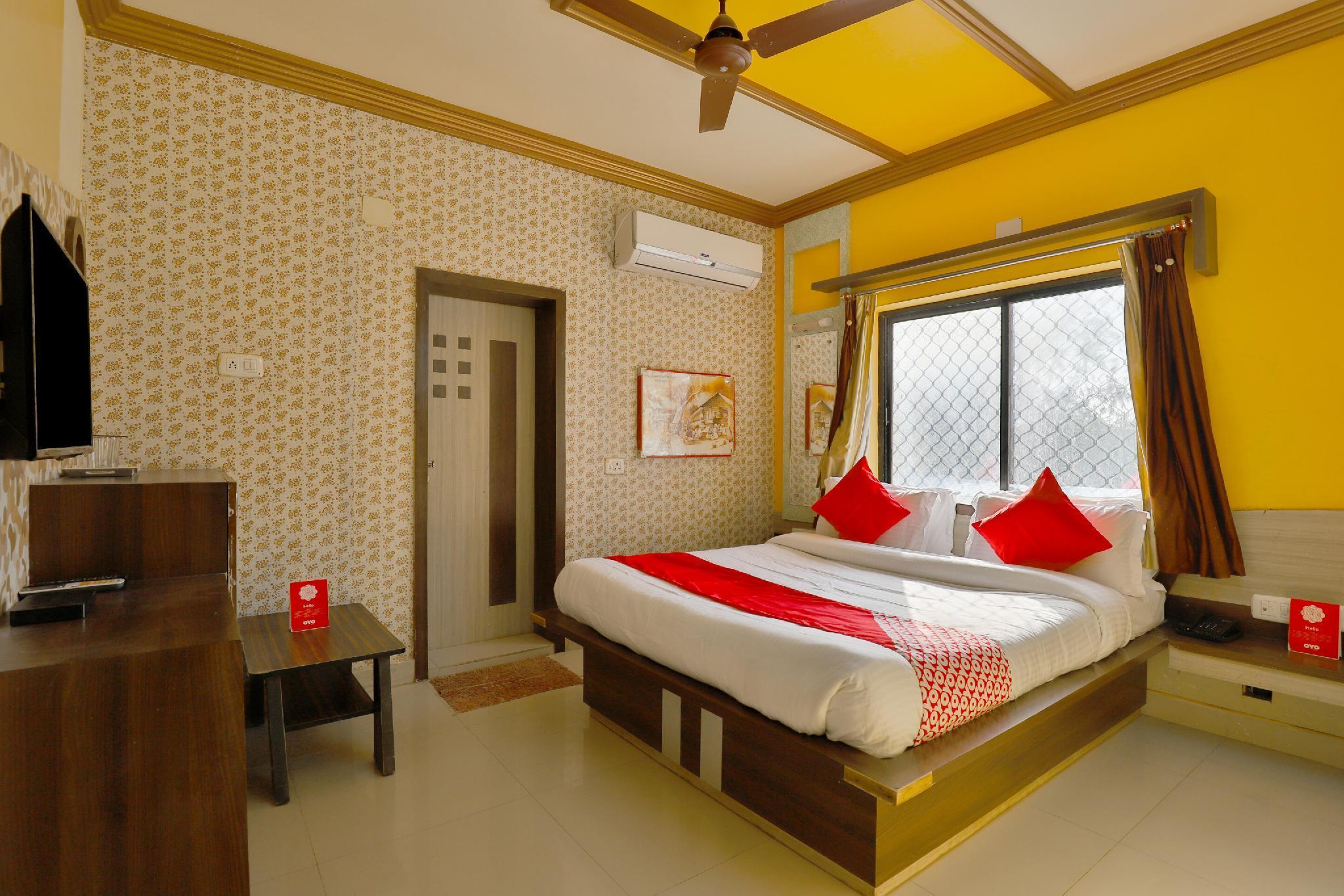 OYO 17205 Raj Palace, Devbhumi Dwarka