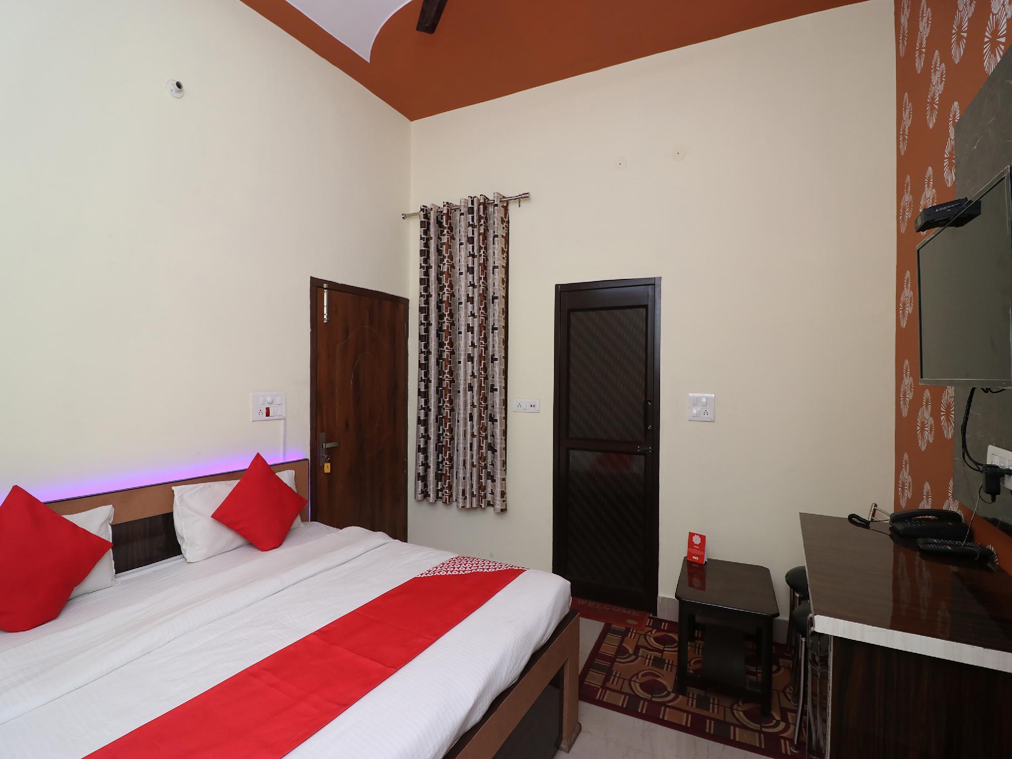OYO 27027 Hotel Sky, Kurukshetra