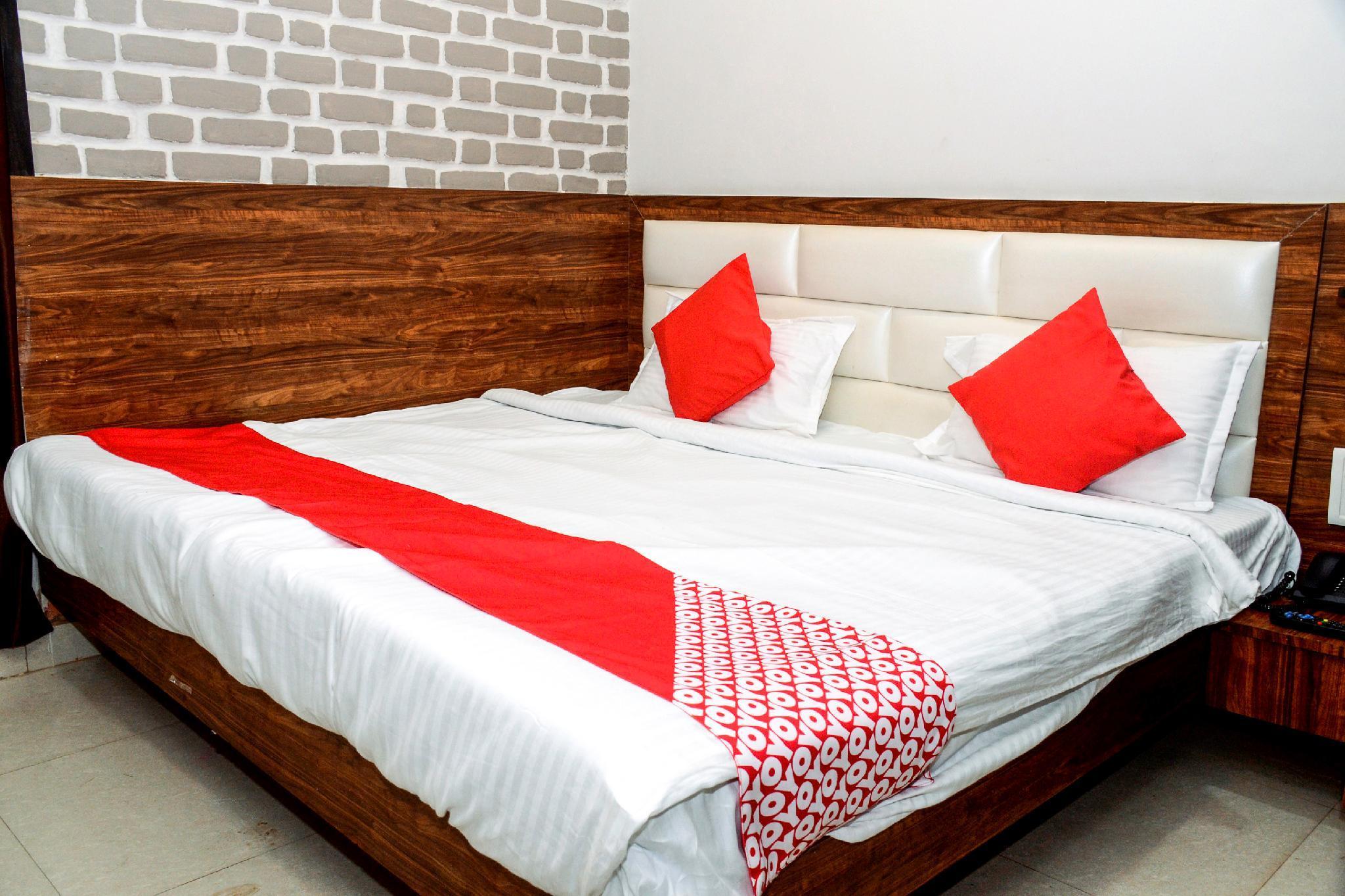 OYO 23178 Hotel Raj Mandir, Tikamgarh