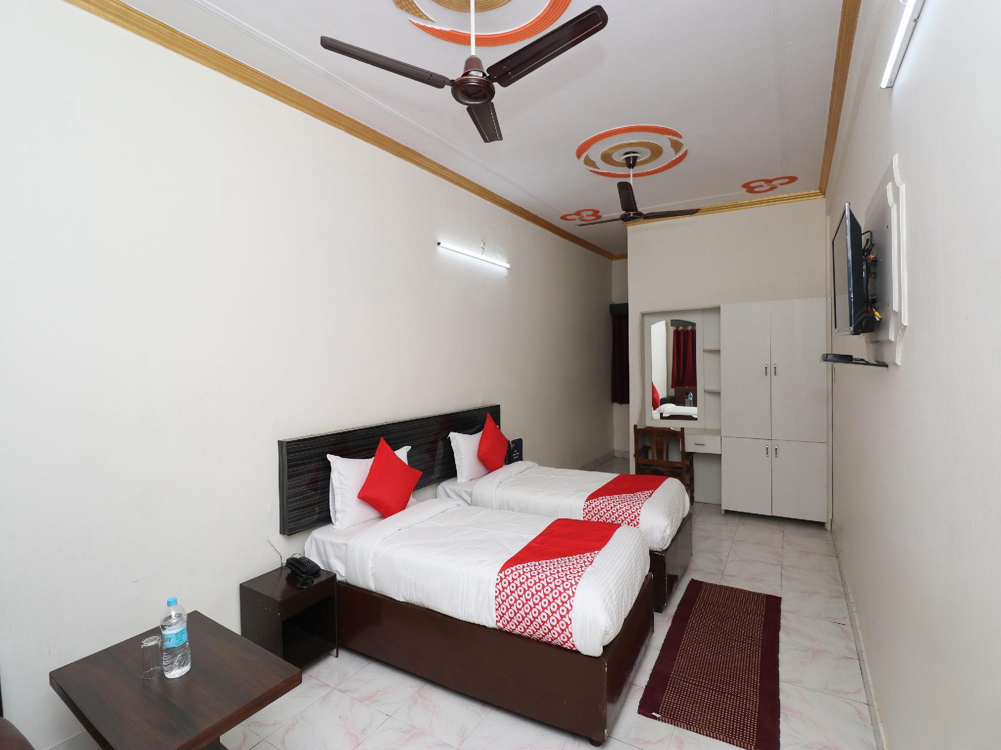OYO 24654 Hotel Buddha, Kushinagar