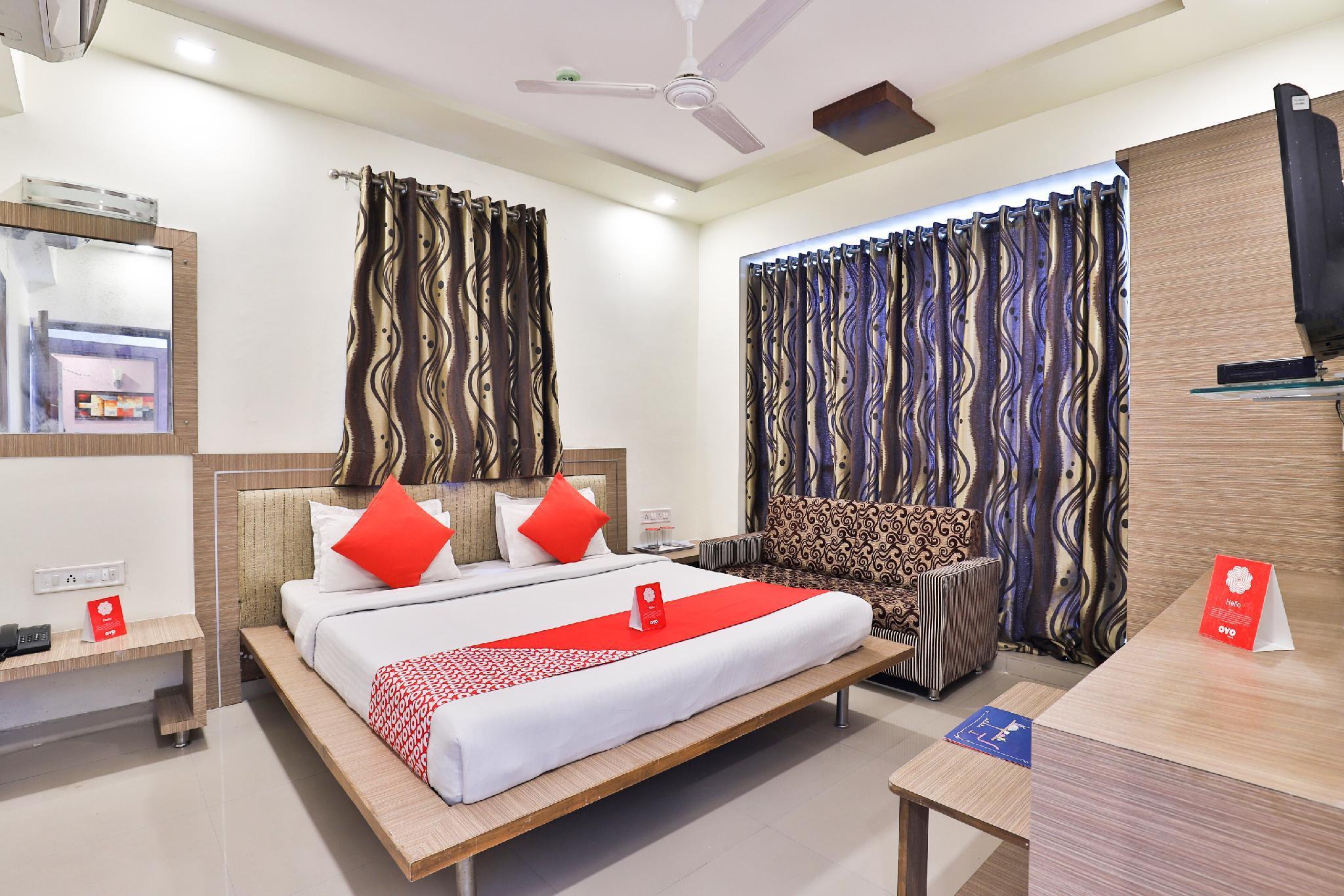 OYO 2389 Hotel The Grand Pritam, Gandhinagar