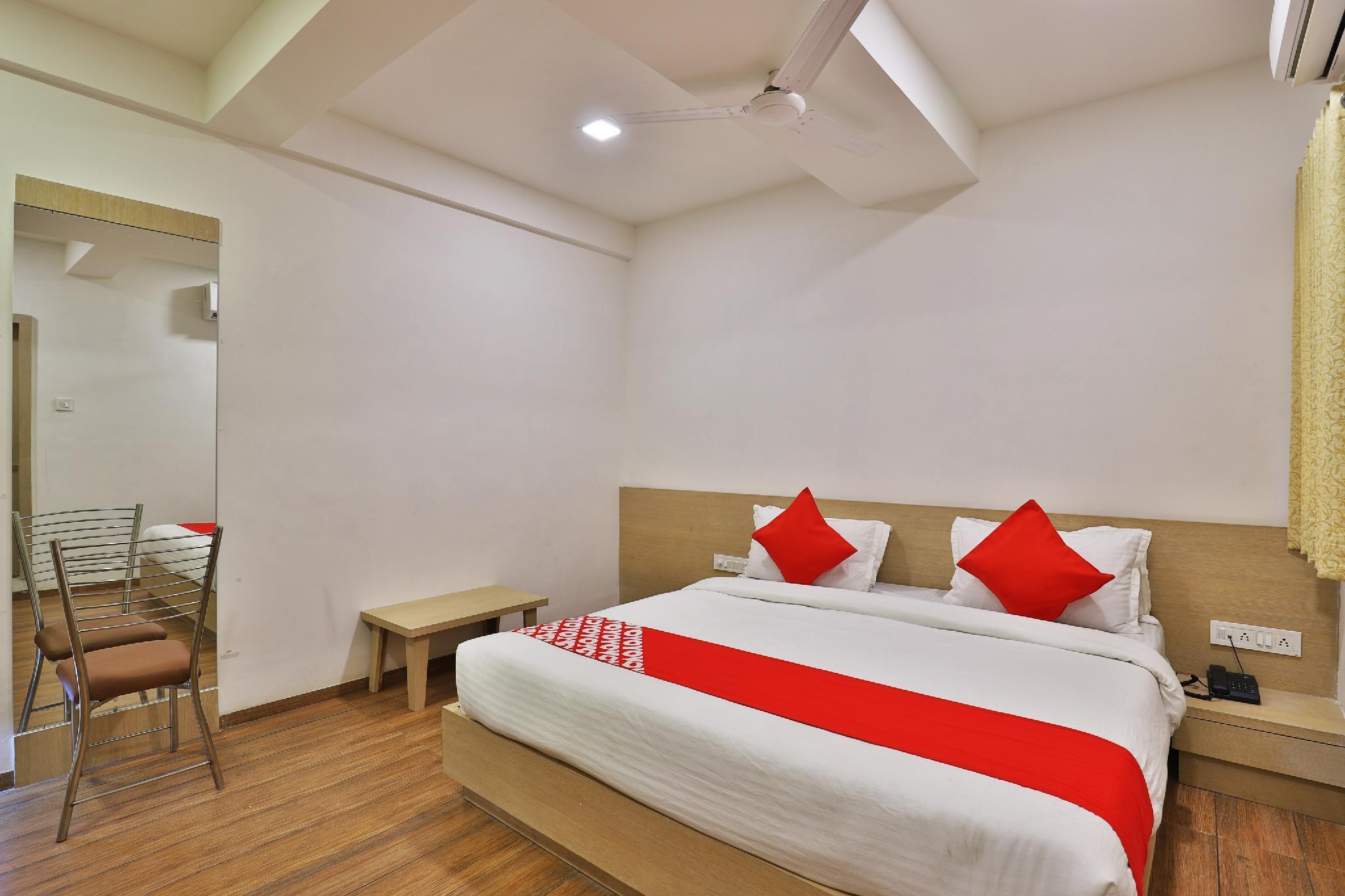 OYO 24482 Hotel The Rivera, Rajkot