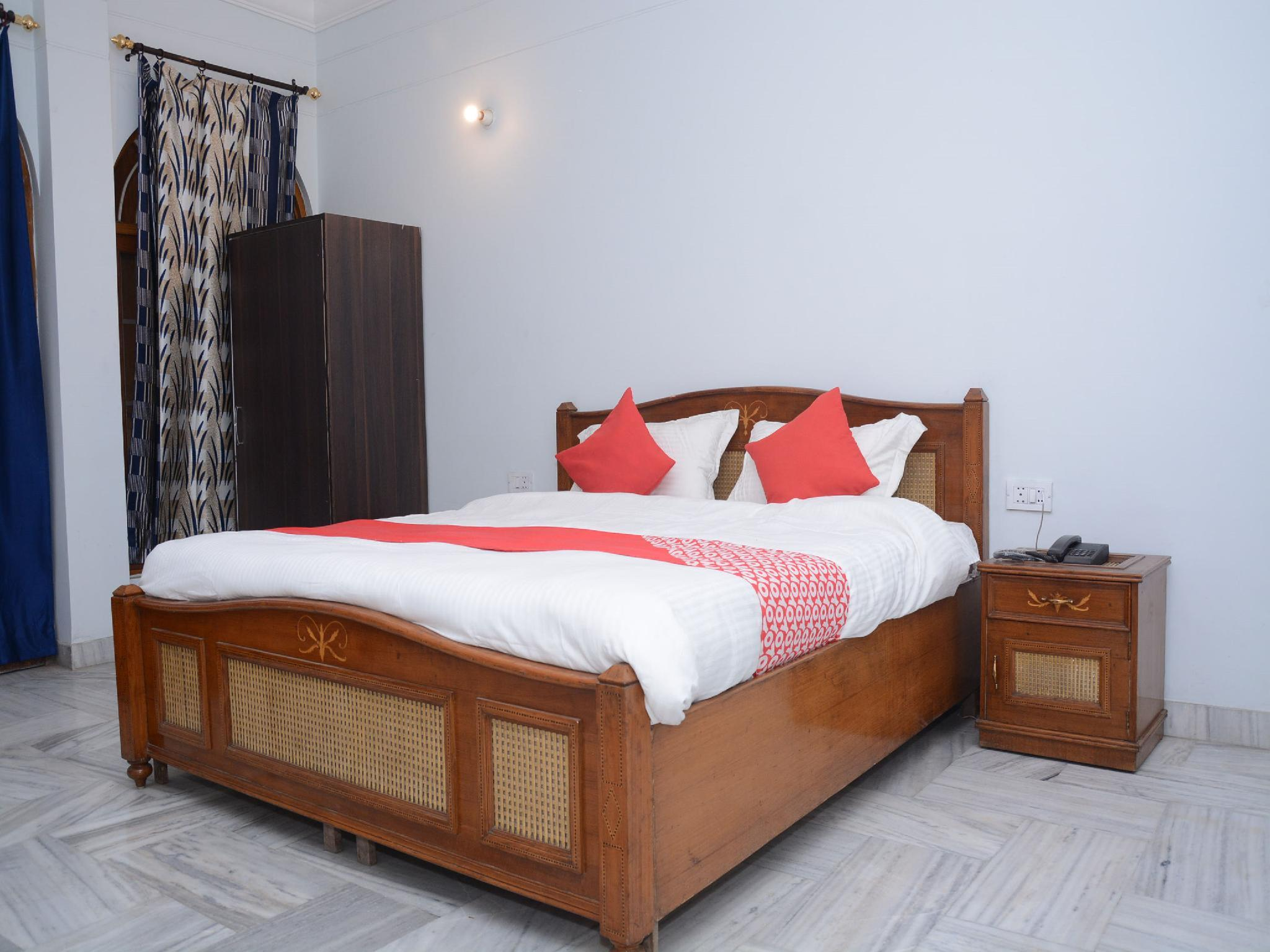 OYO 12180 Surya Prayagam, Kaushambi