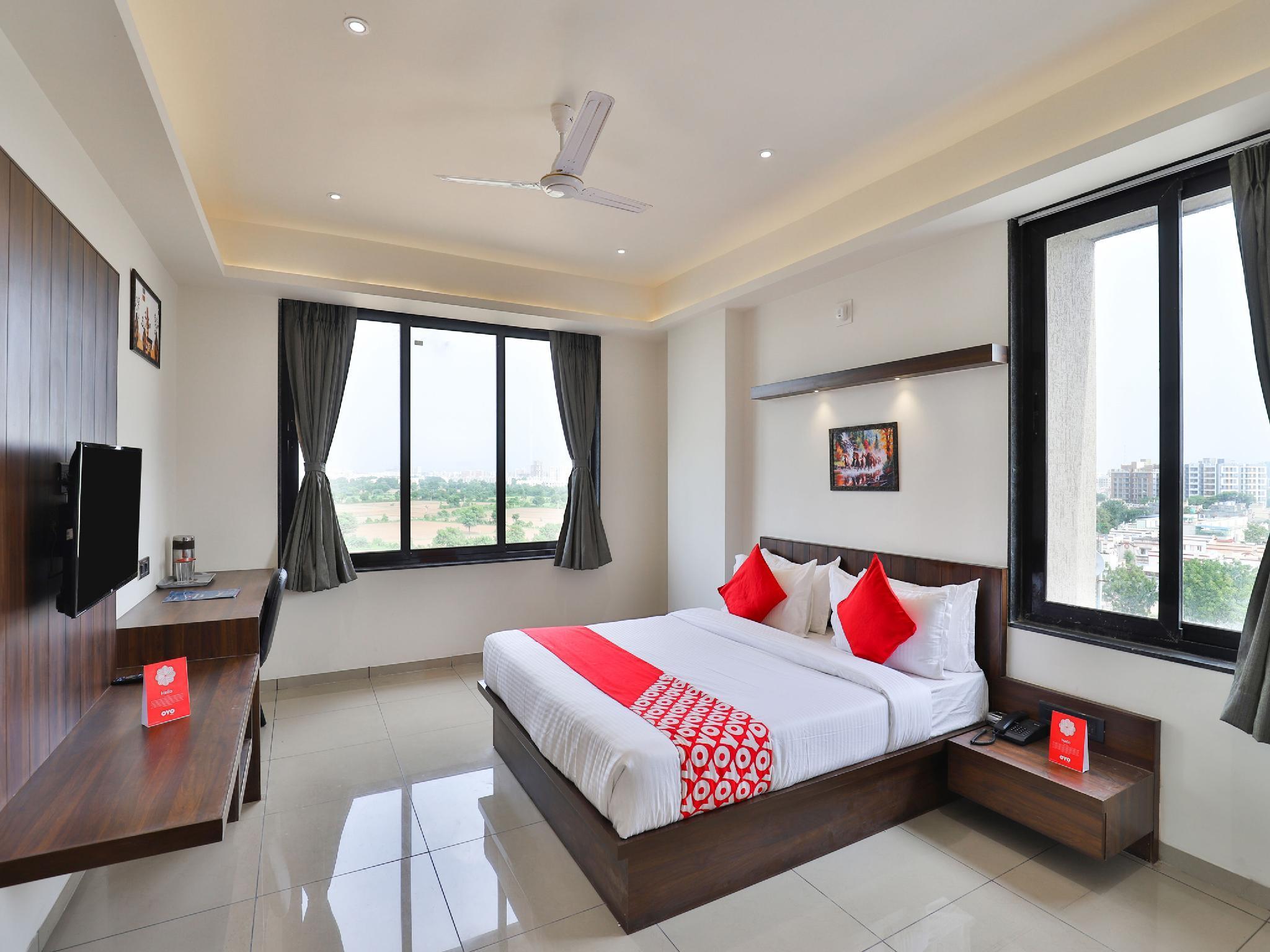 OYO 16604 Hotel Sparsh Inn, Gandhinagar