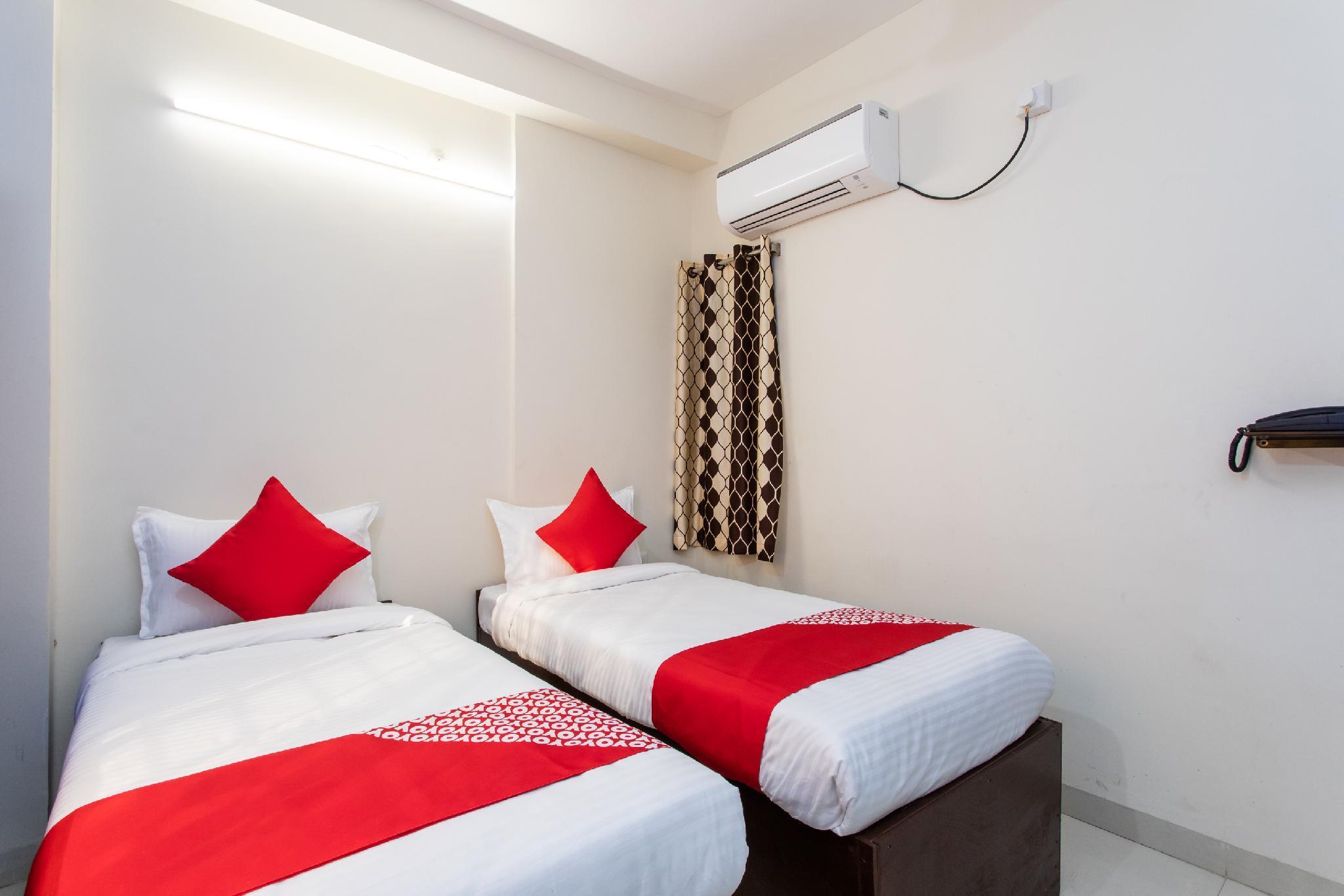 OYO 27862 Shree Devina Palace, Indore