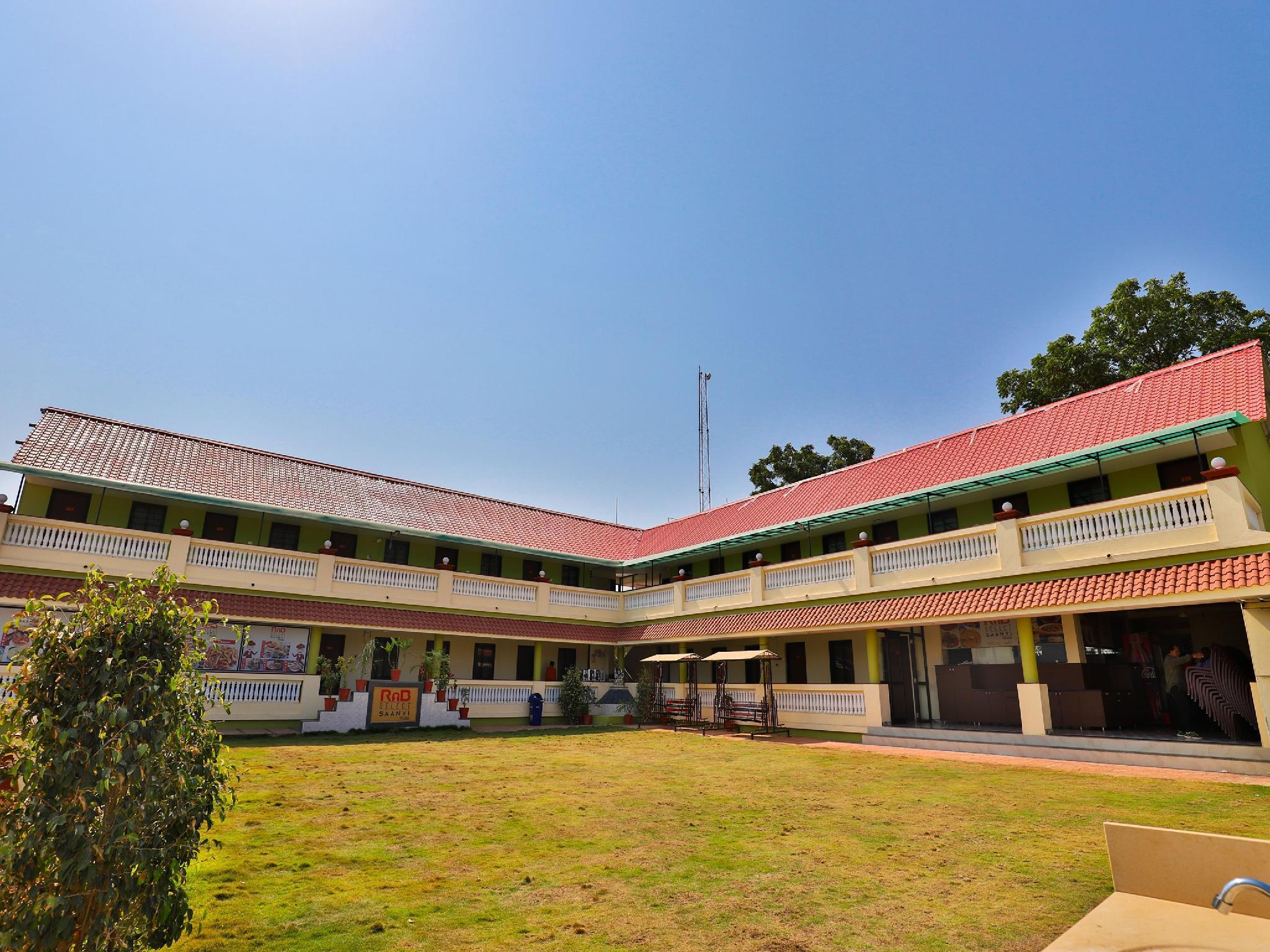 OYO 23362 Saanvi Resort, Bhavnagar