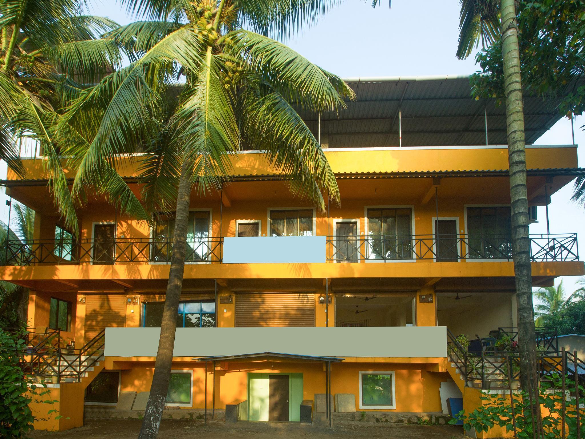 OYO 19512 Pednekar's Home Stay, Raigarh