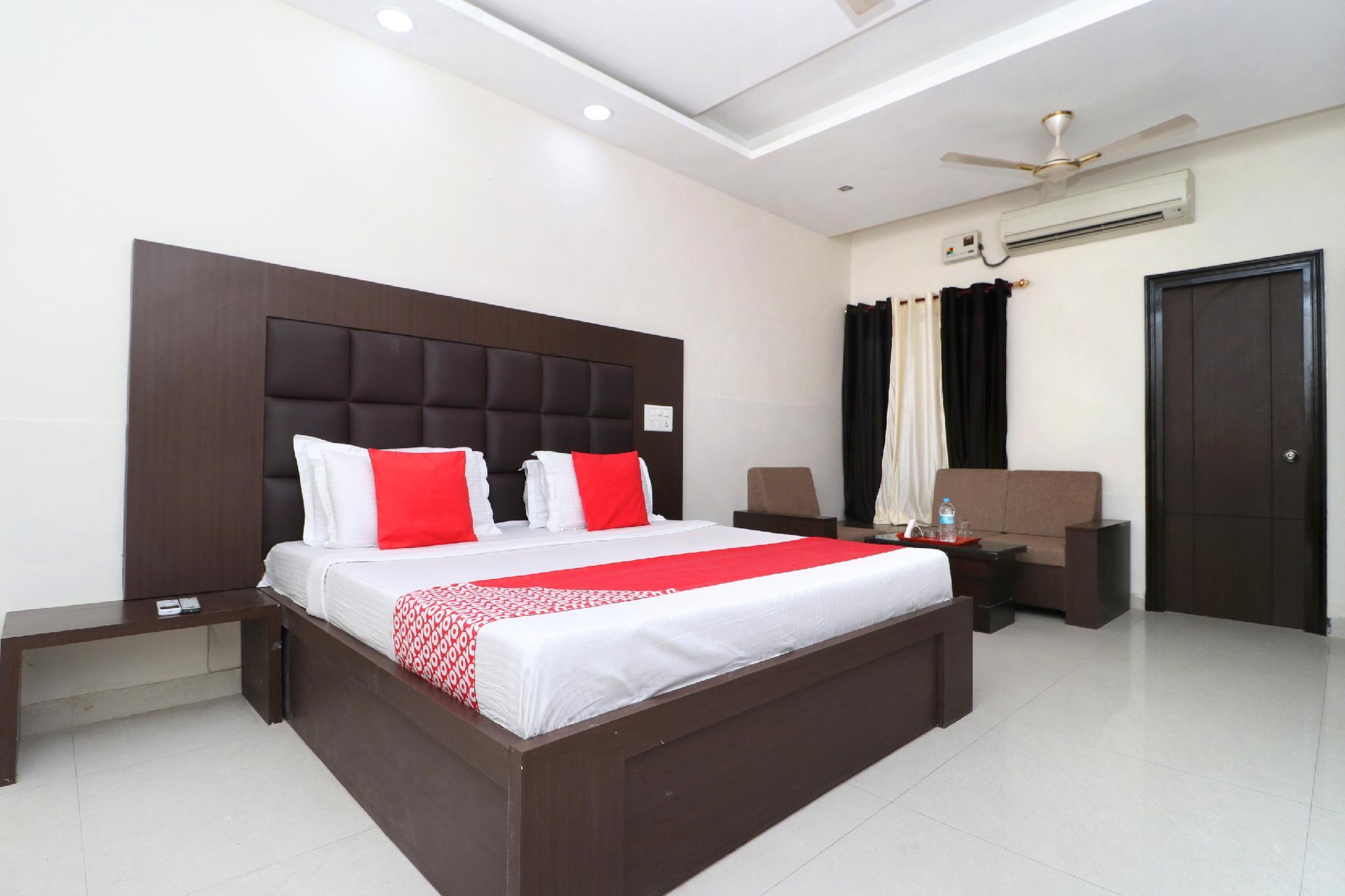 OYO 3404 Hotel Ahluwalia Regency, Bathinda