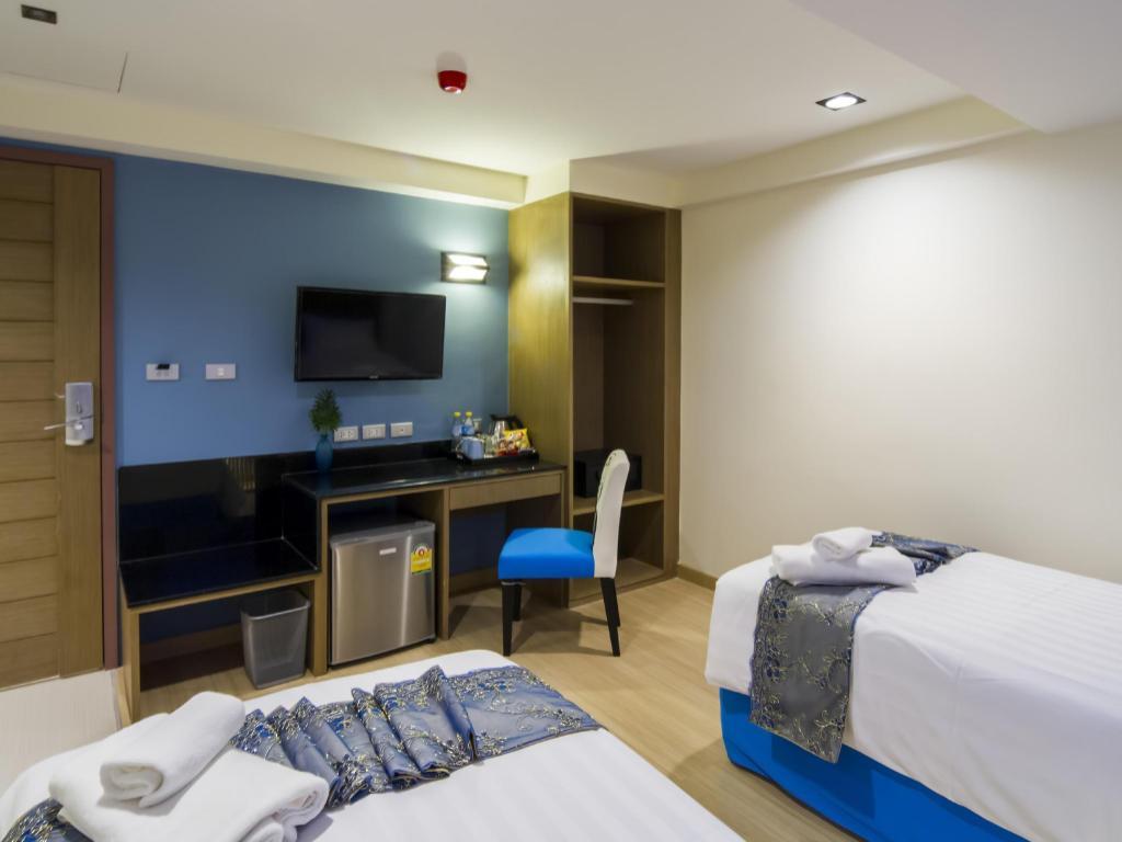 Eleven Avenue Suites18