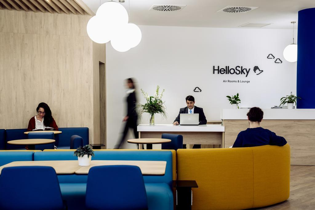 Air Rooms Rome Airport by HelloSky