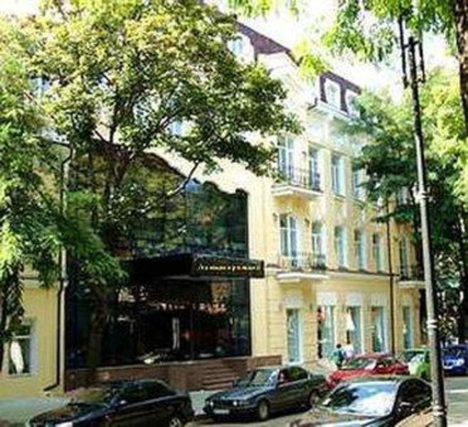 亞歷山德斯基飯店