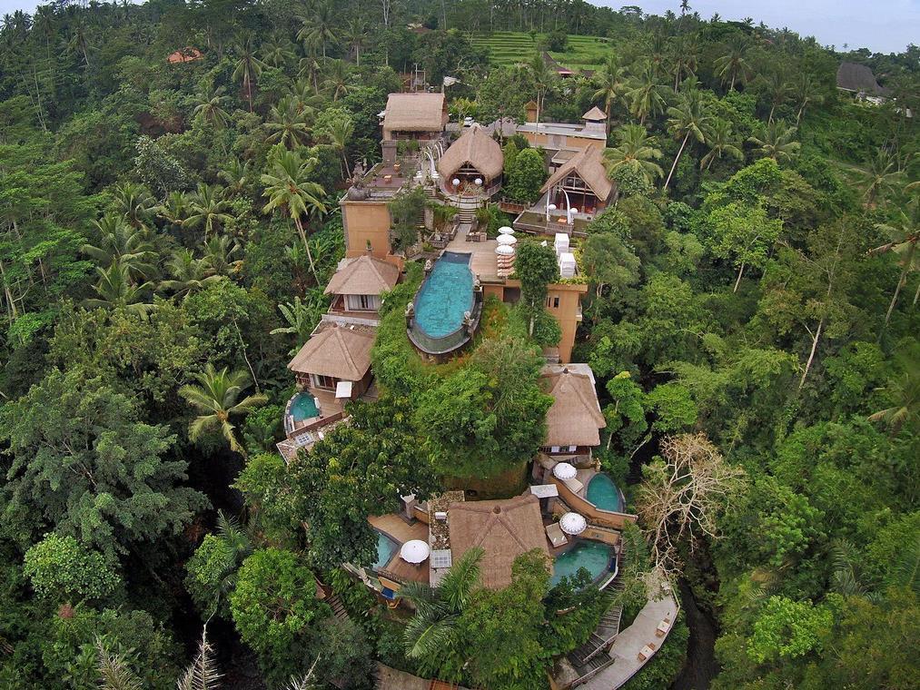 http://pix6.agoda.net/hotelImages/680/680711/680711_15052911290028006672.jpg