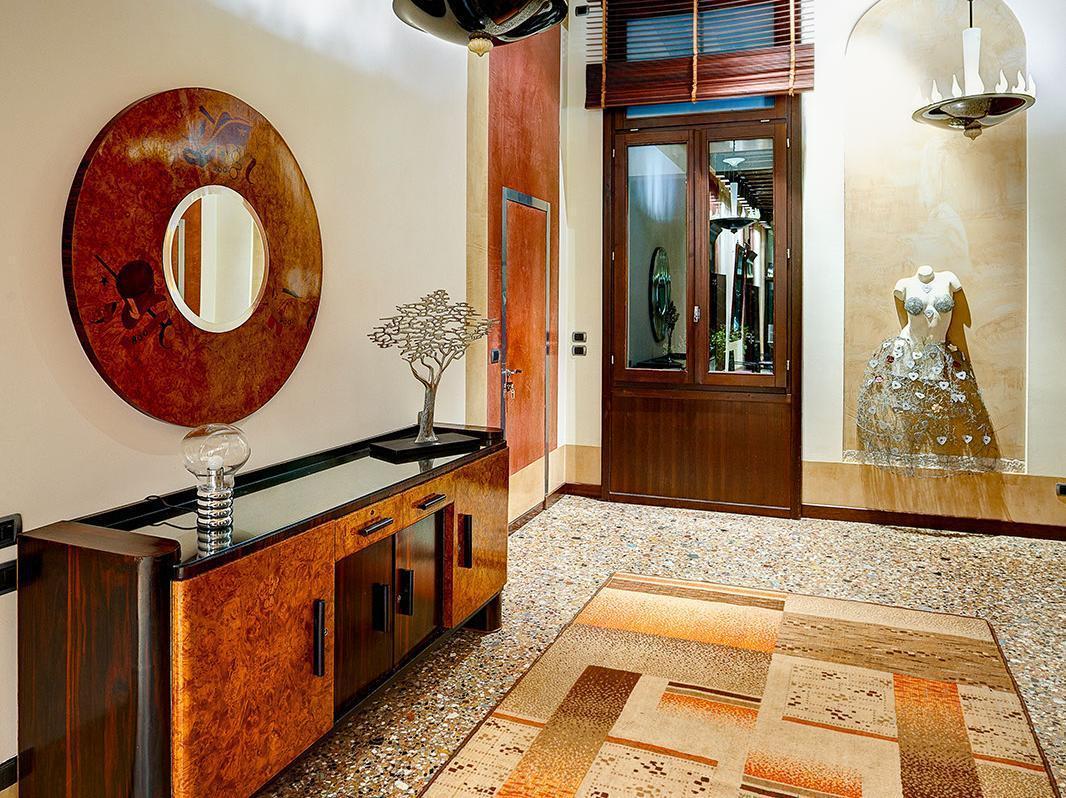 http://pix6.agoda.net/hotelImages/683/68350/68350_14050817580019350023.jpg