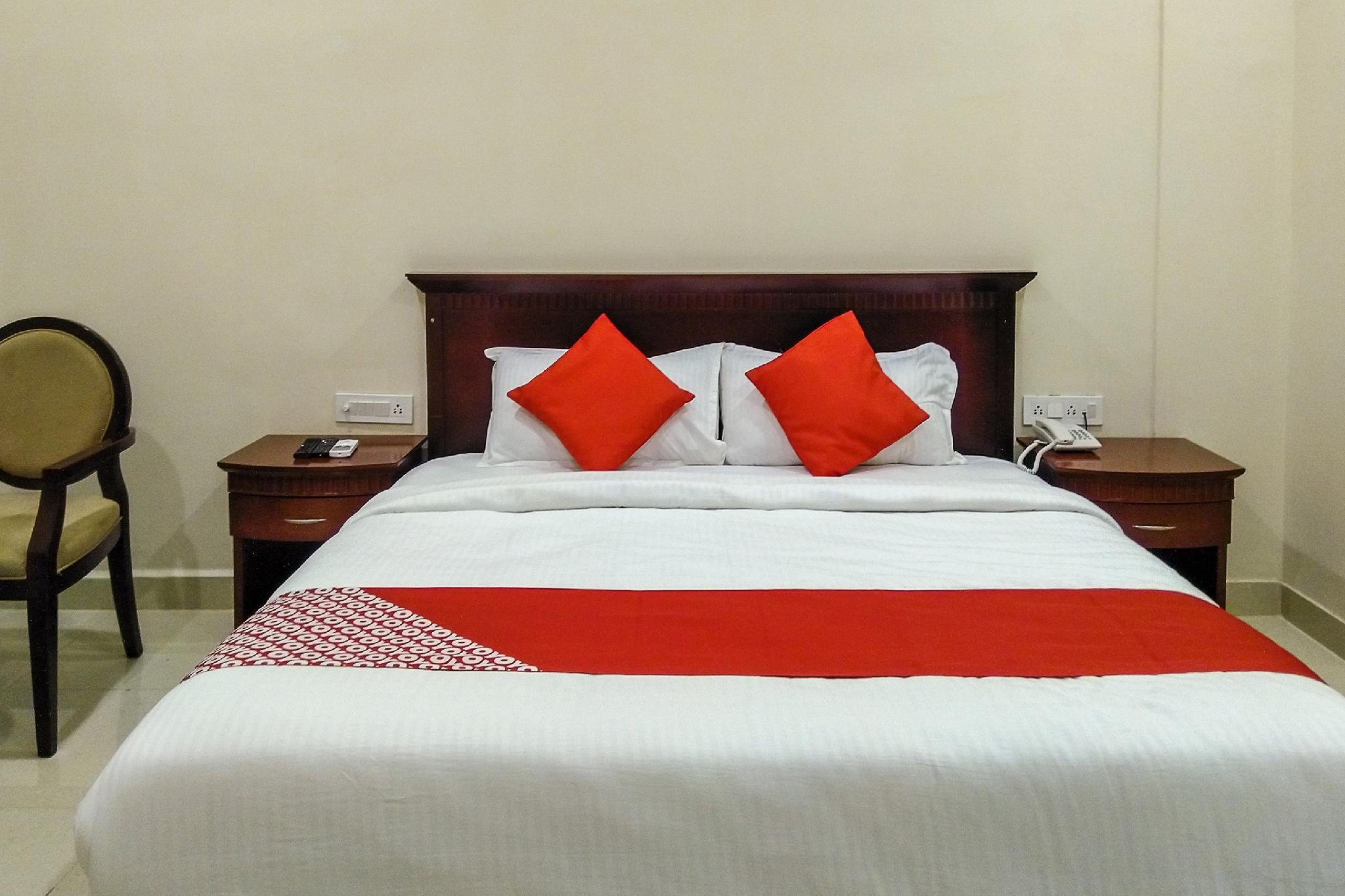 OYO 30085 Hotel Sri7 Inn, Anantapur