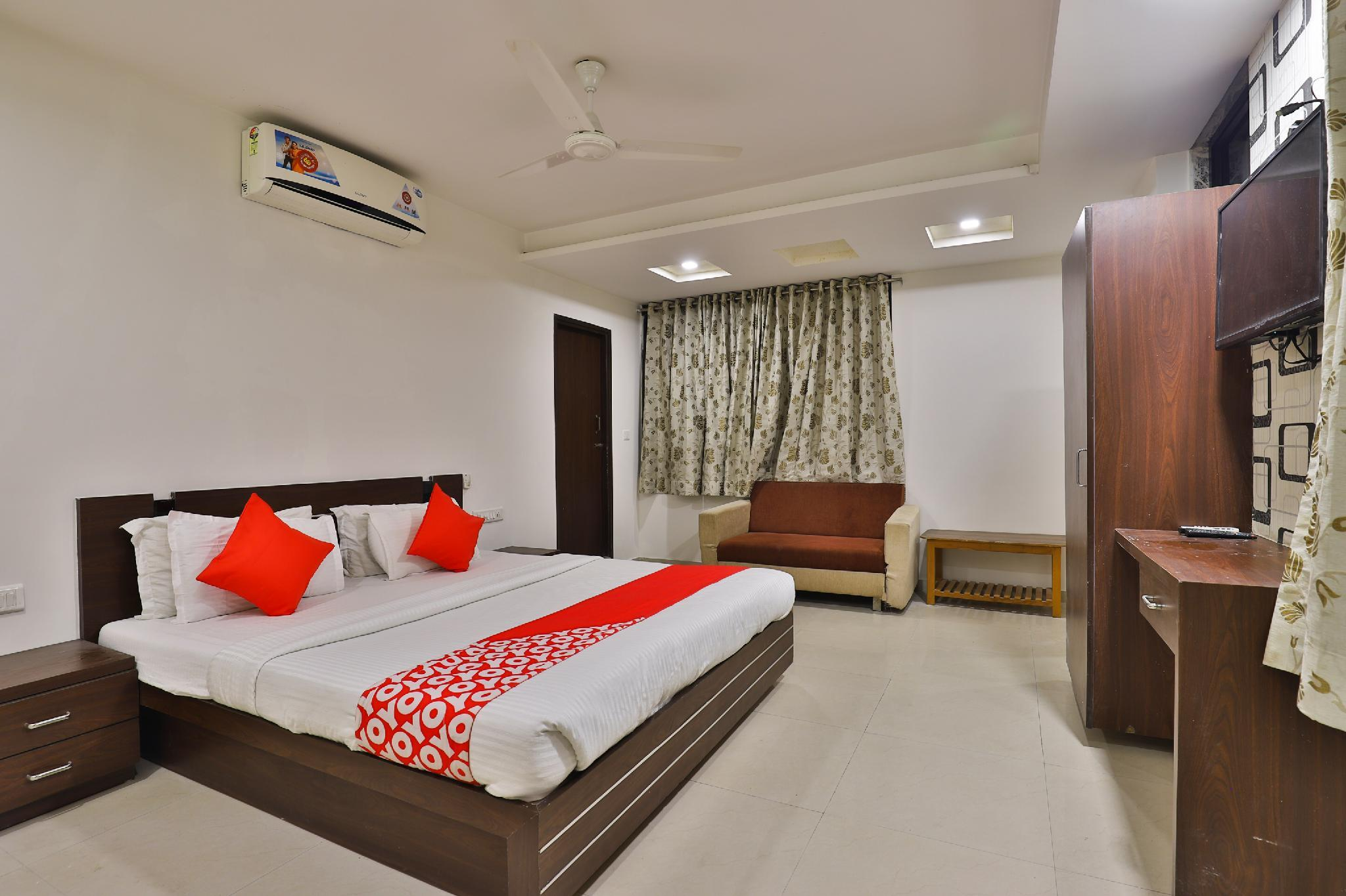 OYO 3433 Hotel Royal Hill, Gandhinagar