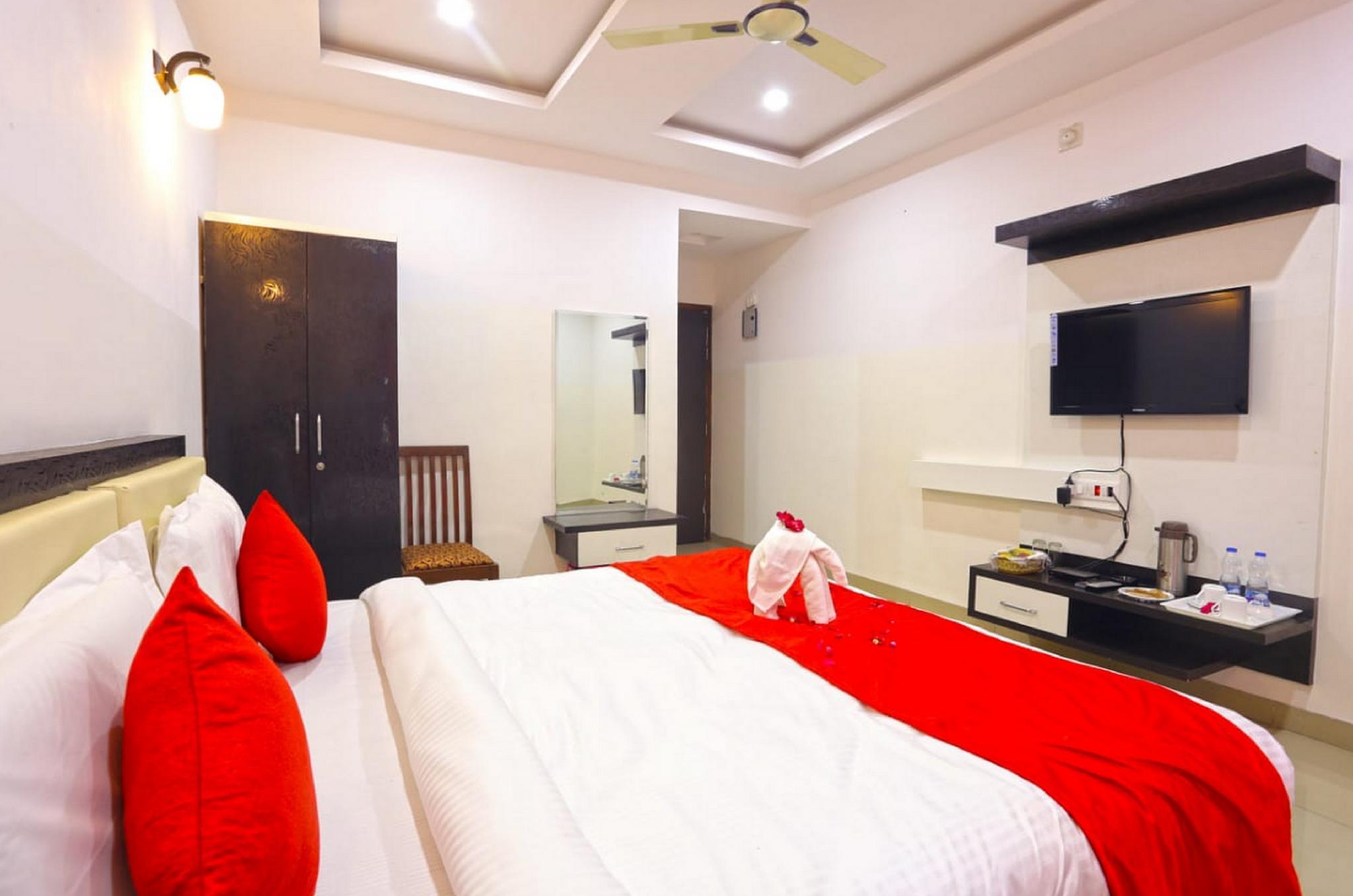 Hotel White Tulip, Udaipur