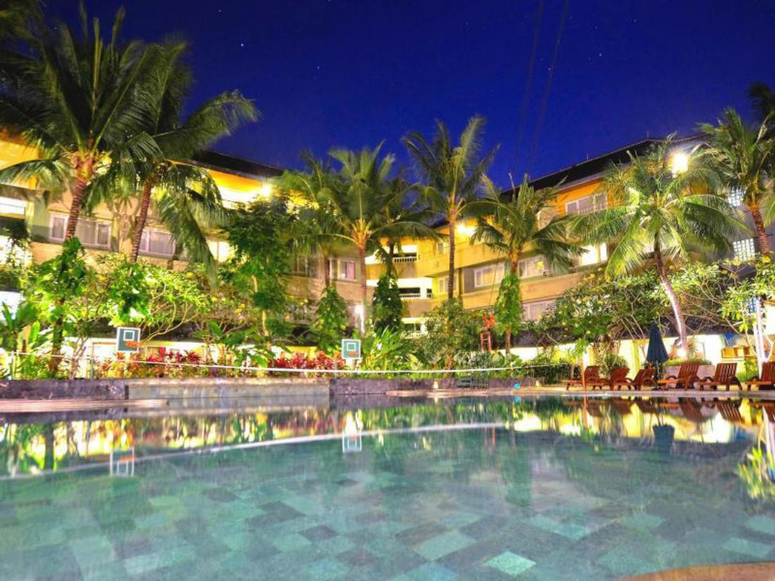Book harris resort kuta beach bali indonesia for Kuta beach hotel