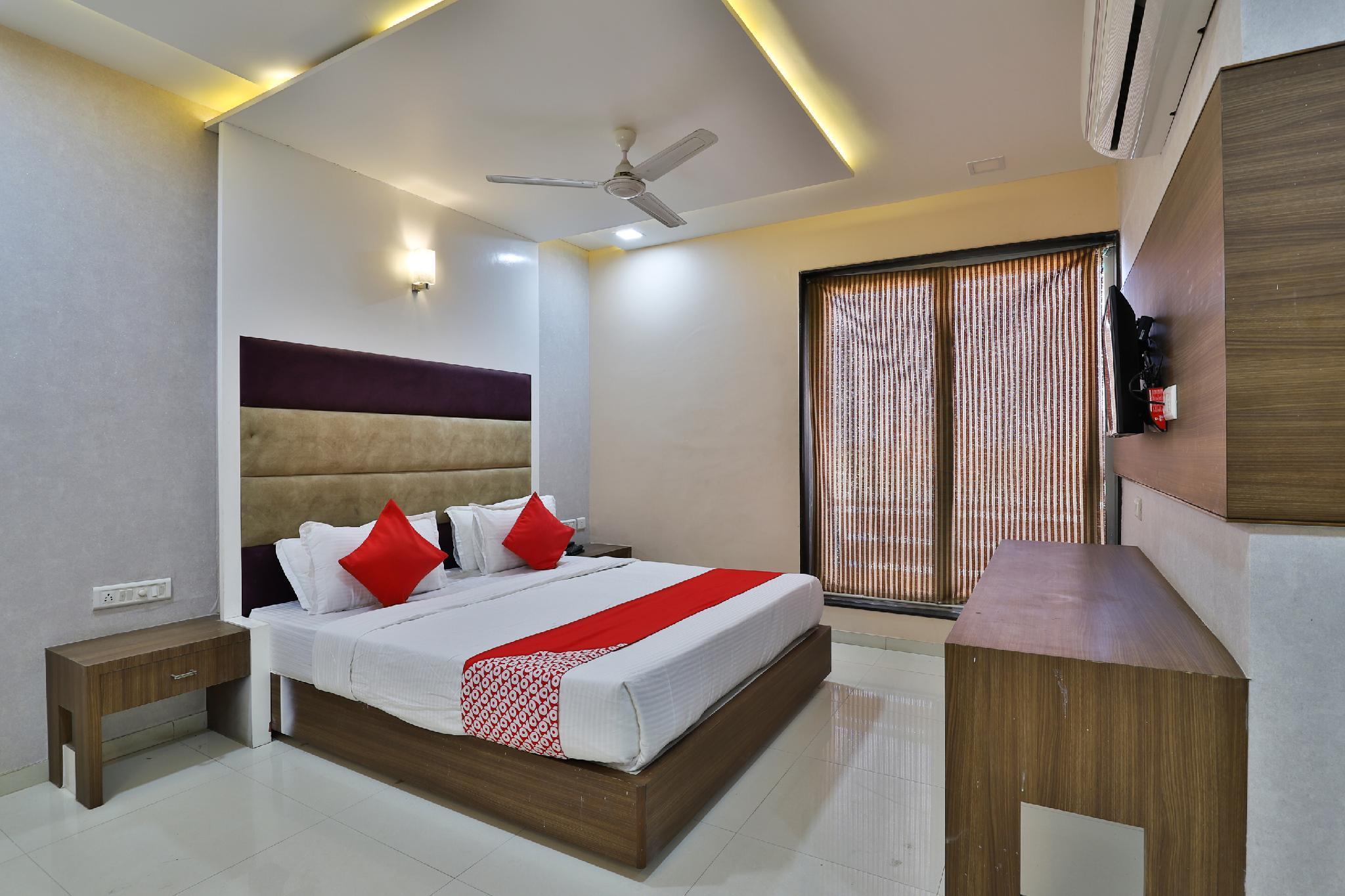 OYO 35982 Hotel Blue Rock, Gandhinagar
