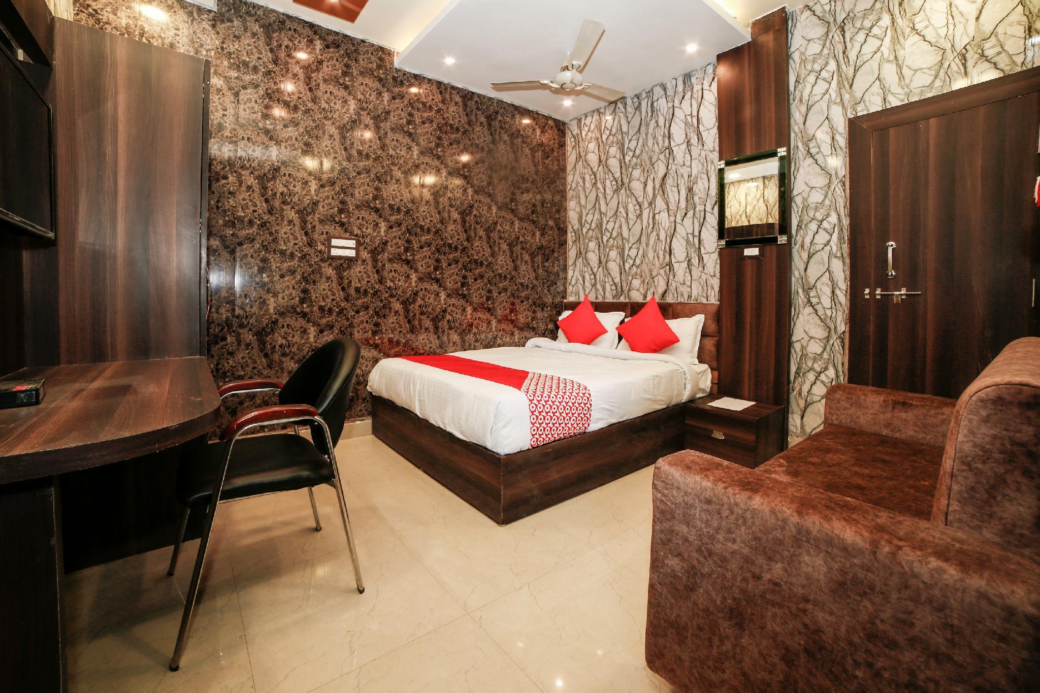 OYO 30459 Hotel Om Sai Ram, Tikamgarh