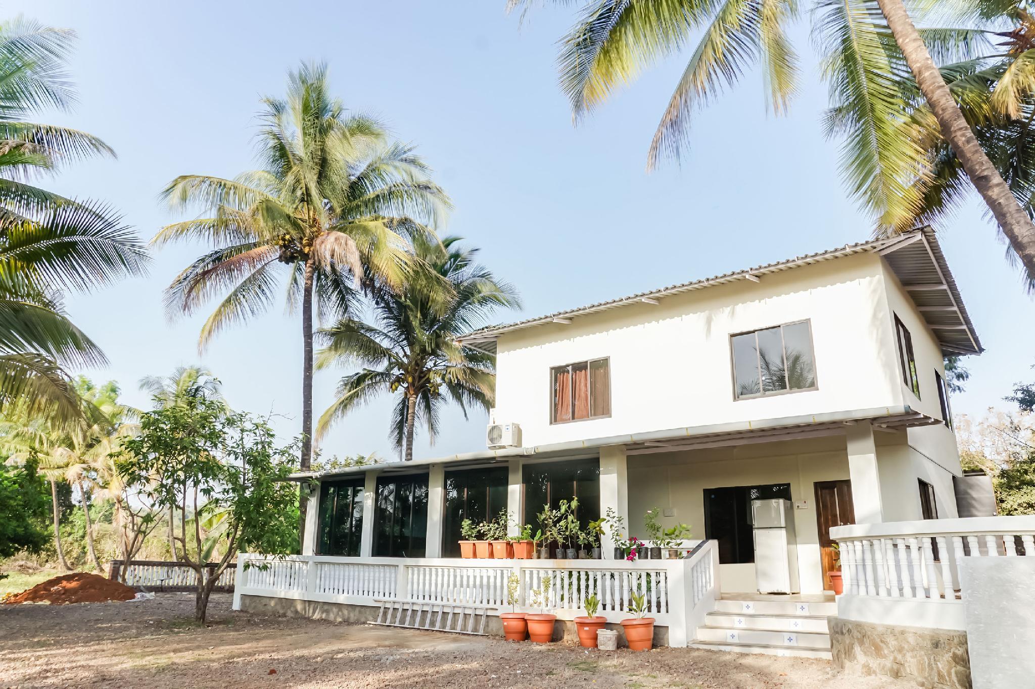 OYO 29156 Nisarg Holiday Resort, Raigarh