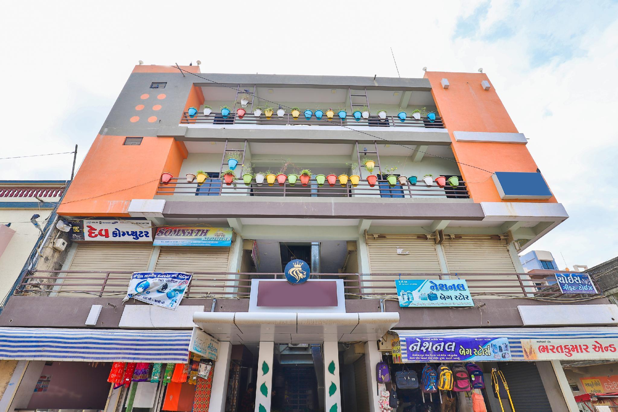 OYO 3238 Daksh Hotel, Gir Somnath